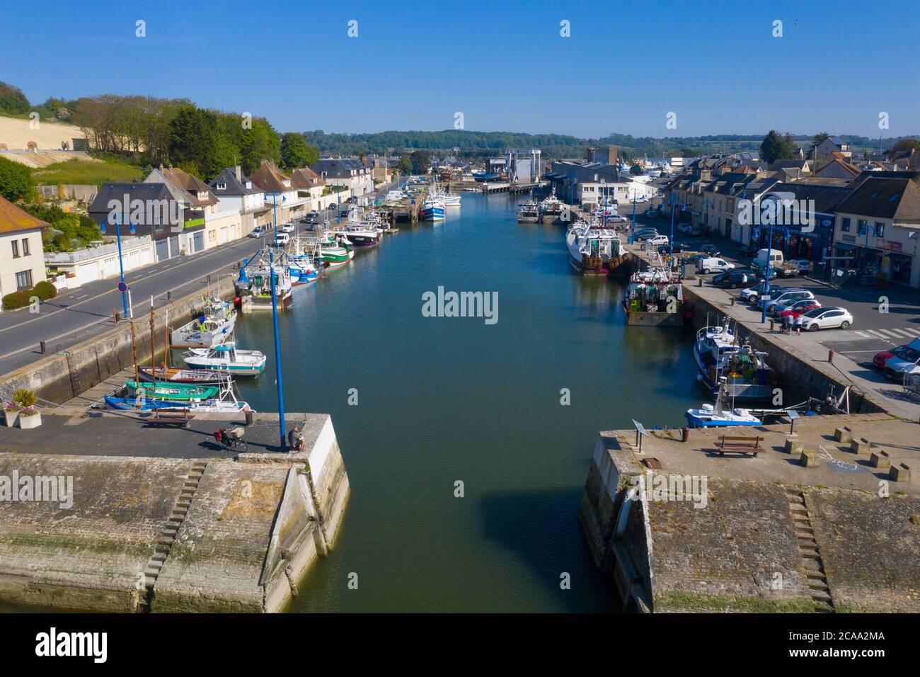 Veduta aerea della città di Port-en-Bessin e del suo porto. Port-en-Bessin è un comune del dipartimento del Calvados nella regione di basse-Normandie nel nord Foto Stock