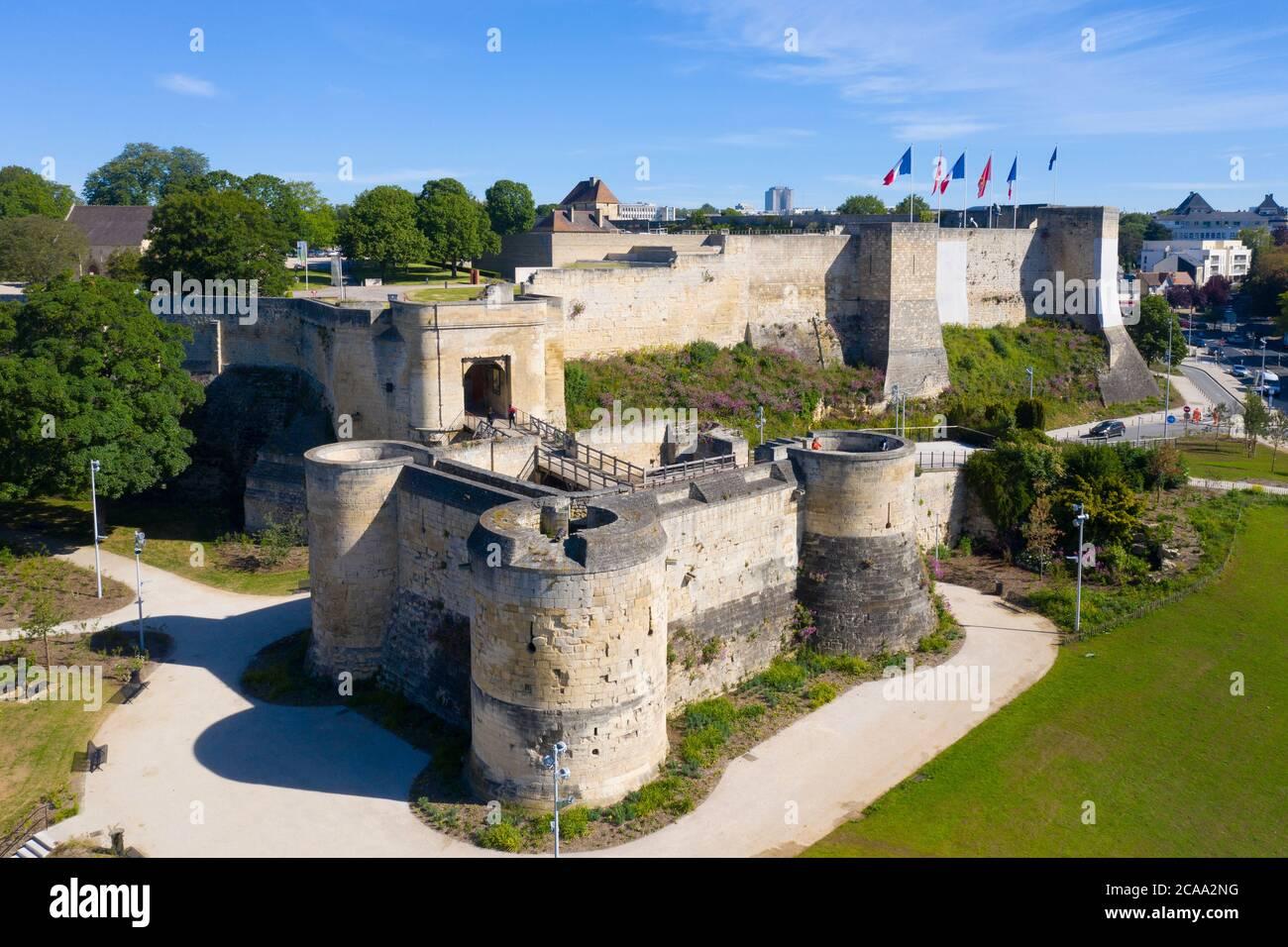 Castello di Caen - 1060, Guglielmo di Normandia ha istituito una nuova roccaforte a Caen. Castello di Caen castello nella città normanna di Caen nel Calvados partenza Foto Stock