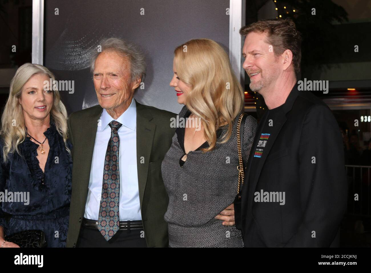LOS ANGELES - DEC 10: Christina Sandera, Clint Eastwood, Alison Eastwood, Stacy Poitras al Mule World Premiere al Village Theatre il 10 dicembre 2018 a Westwood, California Foto Stock