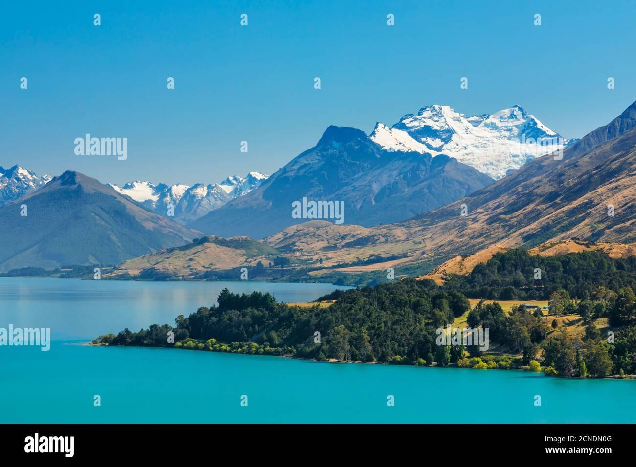 Lago Wakatipu e innevato Monte Earnslaw, Queenstown, Otago, Isola del Sud, Nuova Zelanda, Pacifico Foto Stock