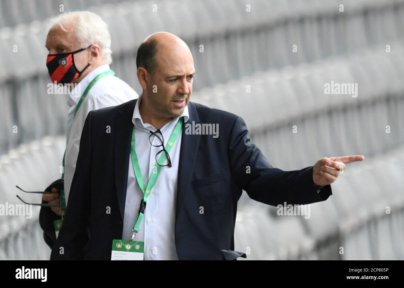 Bayer Leverkusen President Immagini e Fotos Stock - Alamy