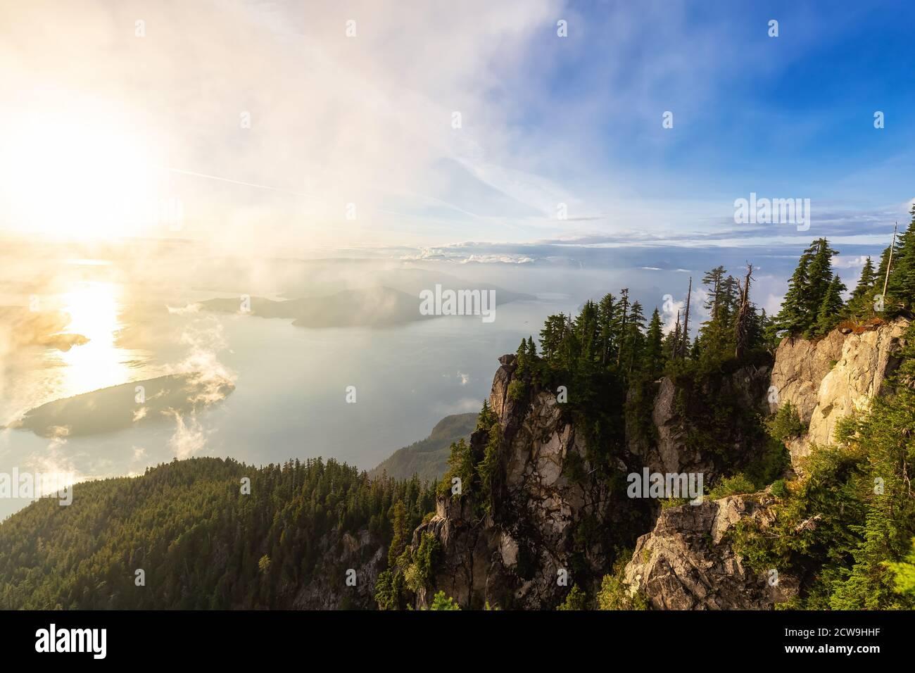 Splendida vista sul paesaggio montano canadese Foto Stock