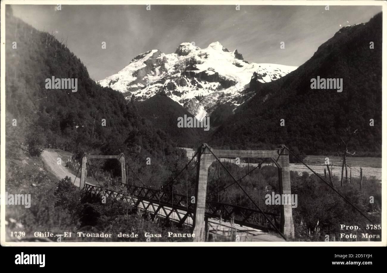 Pangue Chile, El Tronador desde Casa Pangue, Bahnbrücke, Gebirgsschnee   utilizzo in tutto il mondo Foto Stock