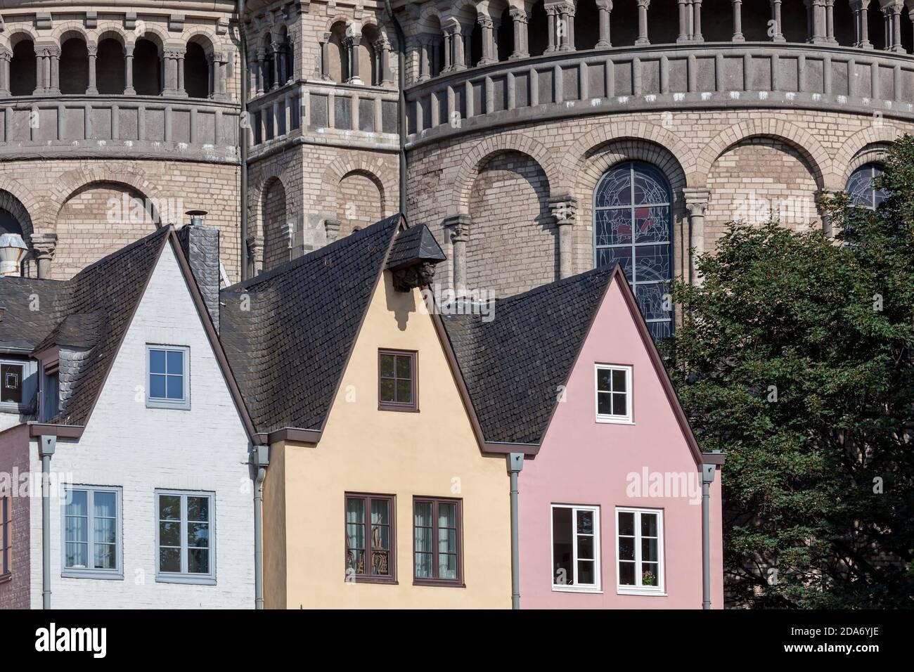 Geografia / viaggio, Germania, Renania Settentrionale-Vestfalia, Colonia, case di fronte alla città principale di negozi St, diritti aggiuntivi-clearance-Info-non-disponibile Foto Stock
