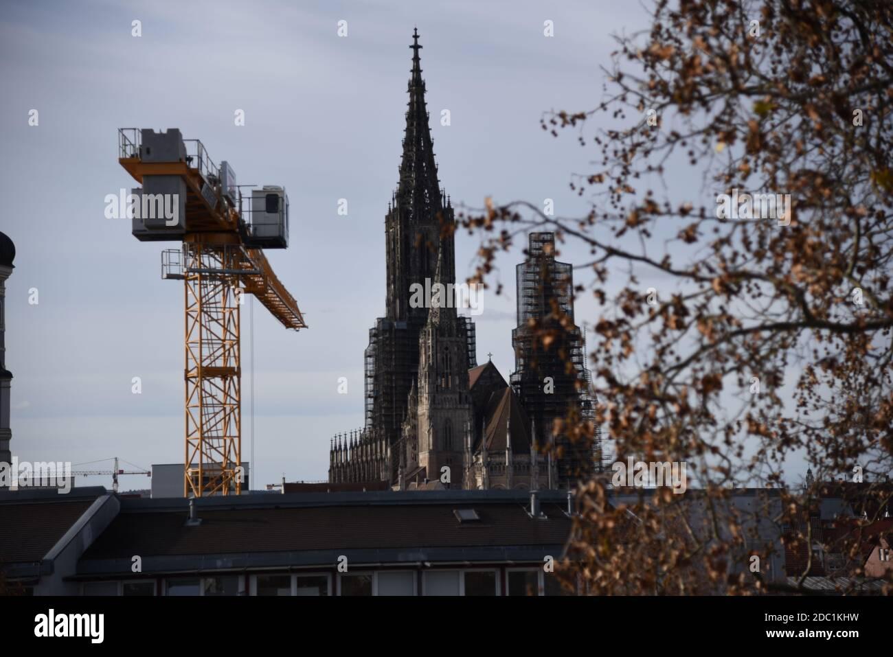 Vista dalla Torre Berblinger alla Cattedrale di Ulm Foto Stock