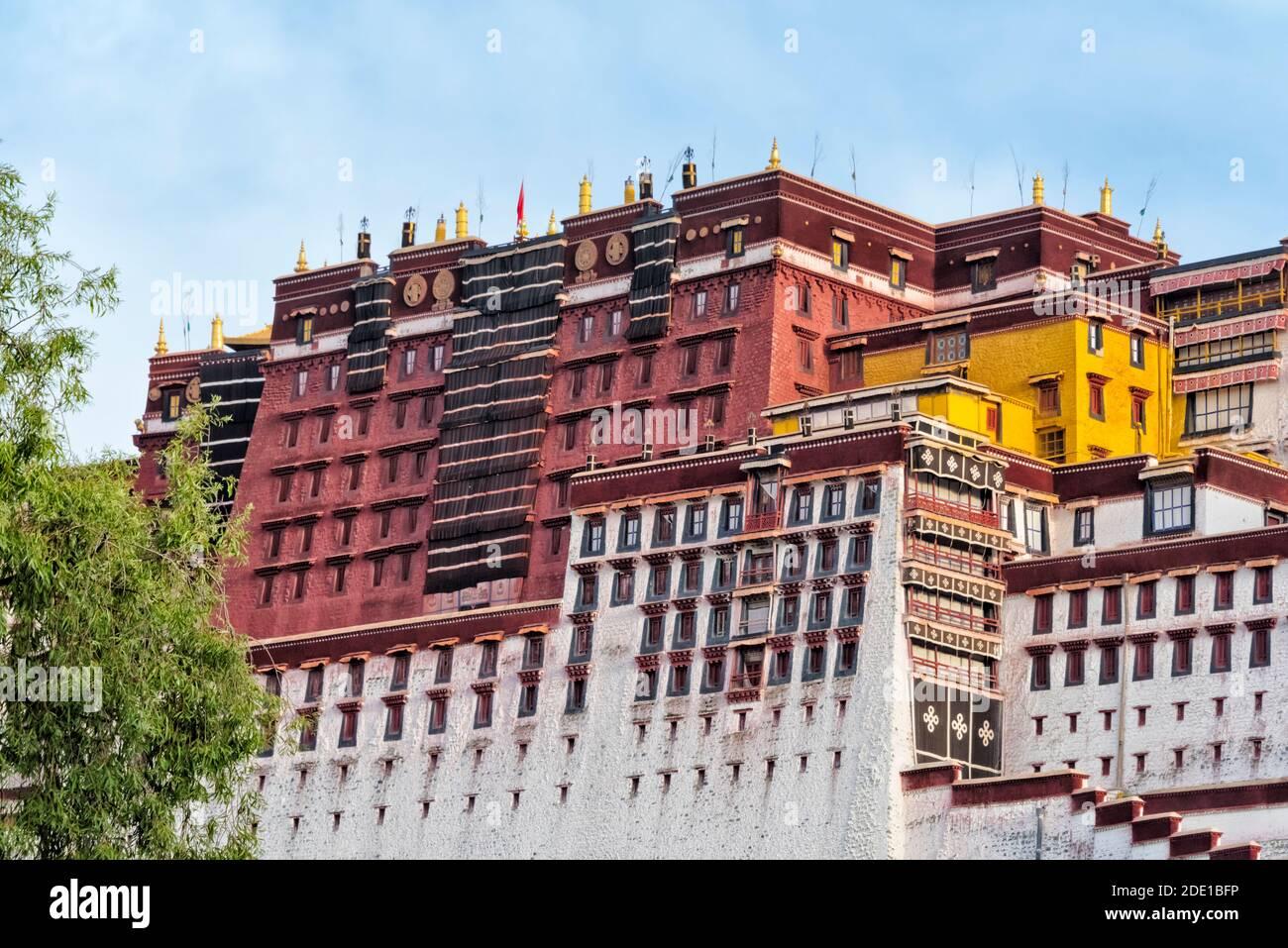 Potala Palace (sito patrimonio dell'umanità dell'UNESCO), Lhasa, Tibet, Cina Foto Stock