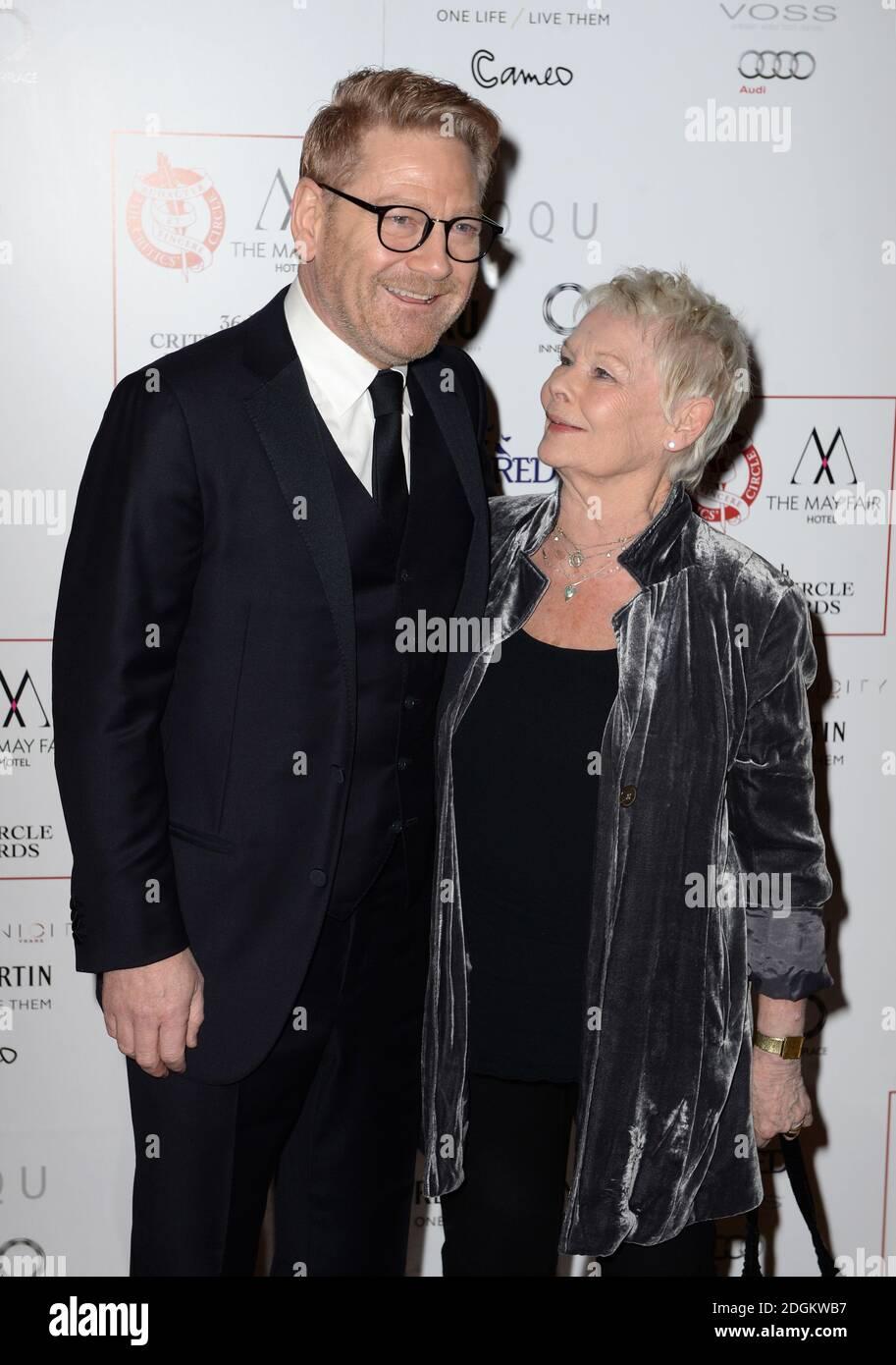 Kenneth Branagh e Dame Judi Dench arrivano al Critics Circle Film Awards 2016, il May Fair Hotel di Londra. Foto Stock
