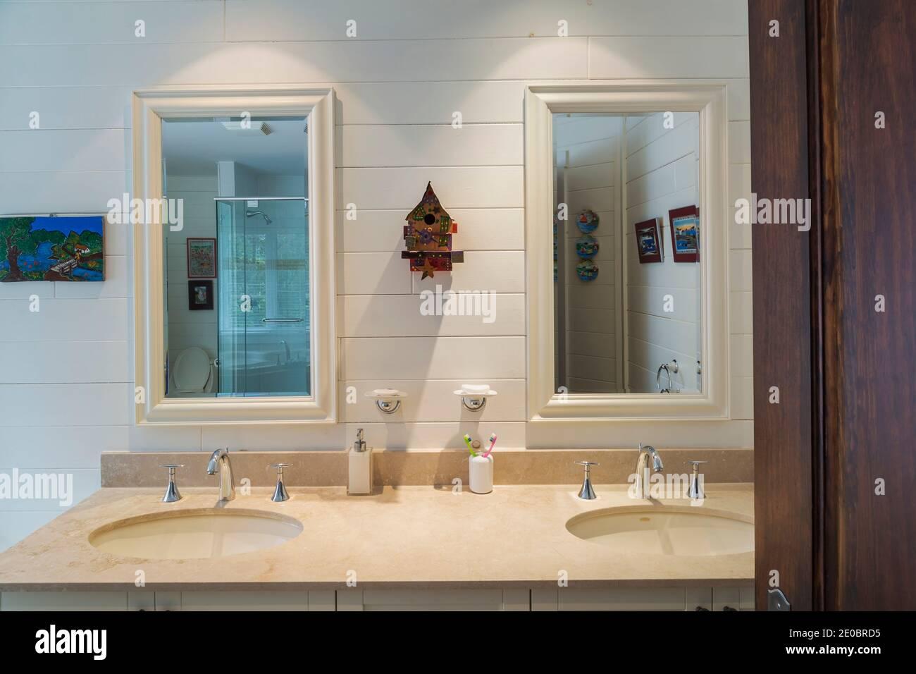 Lavandini E Specchi Immagini E Fotos Stock Alamy