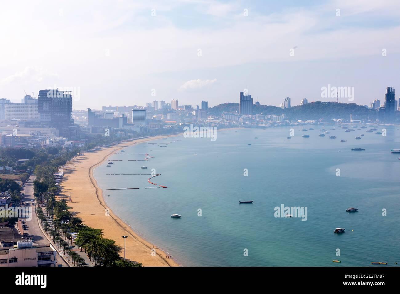 Mattina foschia e inquinamento, Pattaya, Chon Buri, Thailandia Foto Stock