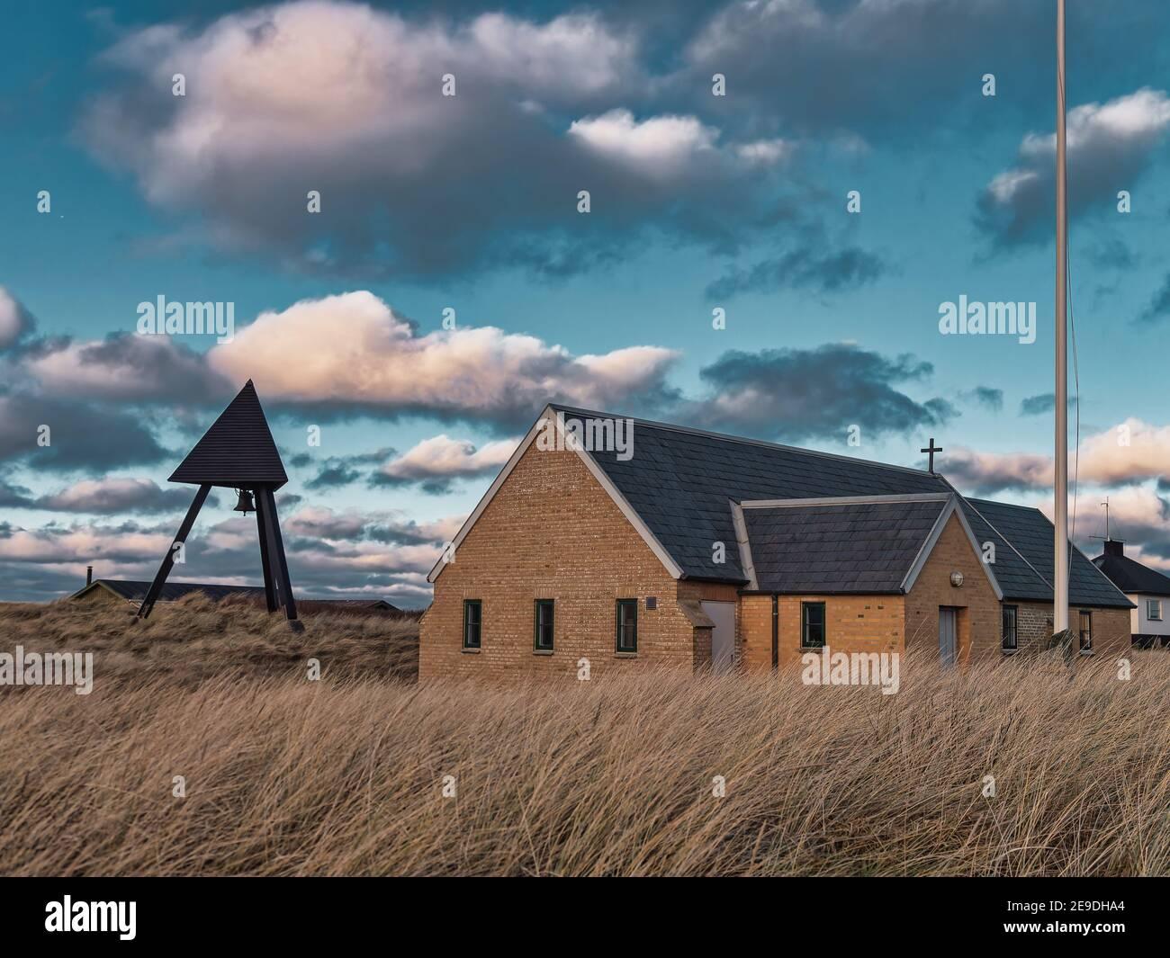 Lildstrand piccola chiesa nella tua Danimarca rurale Foto Stock