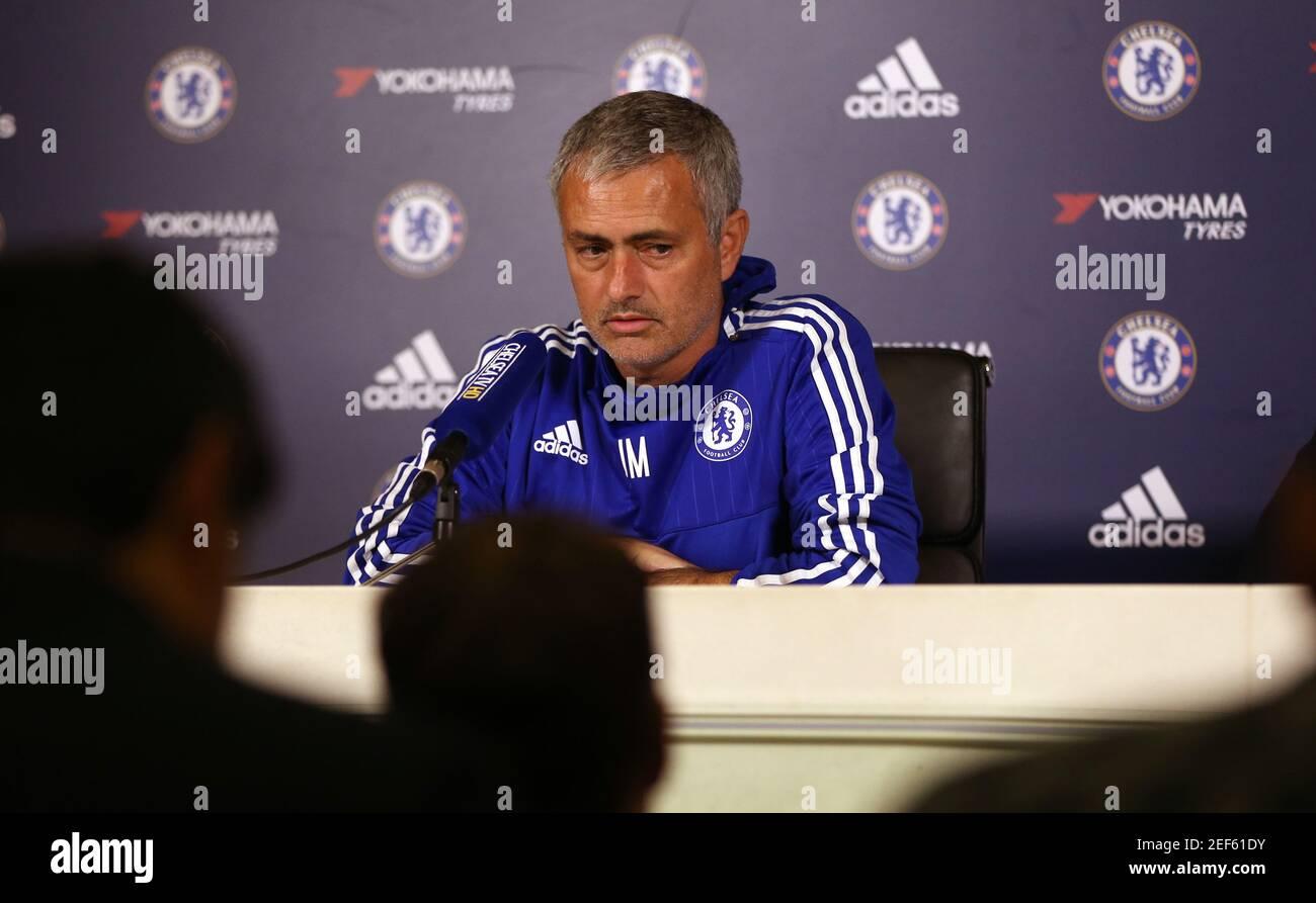 Calcio - Chelsea - Conferenza stampa Jose Mourinho - Chelsea Campo di  allenamento - 2/10/15 il responsabile del