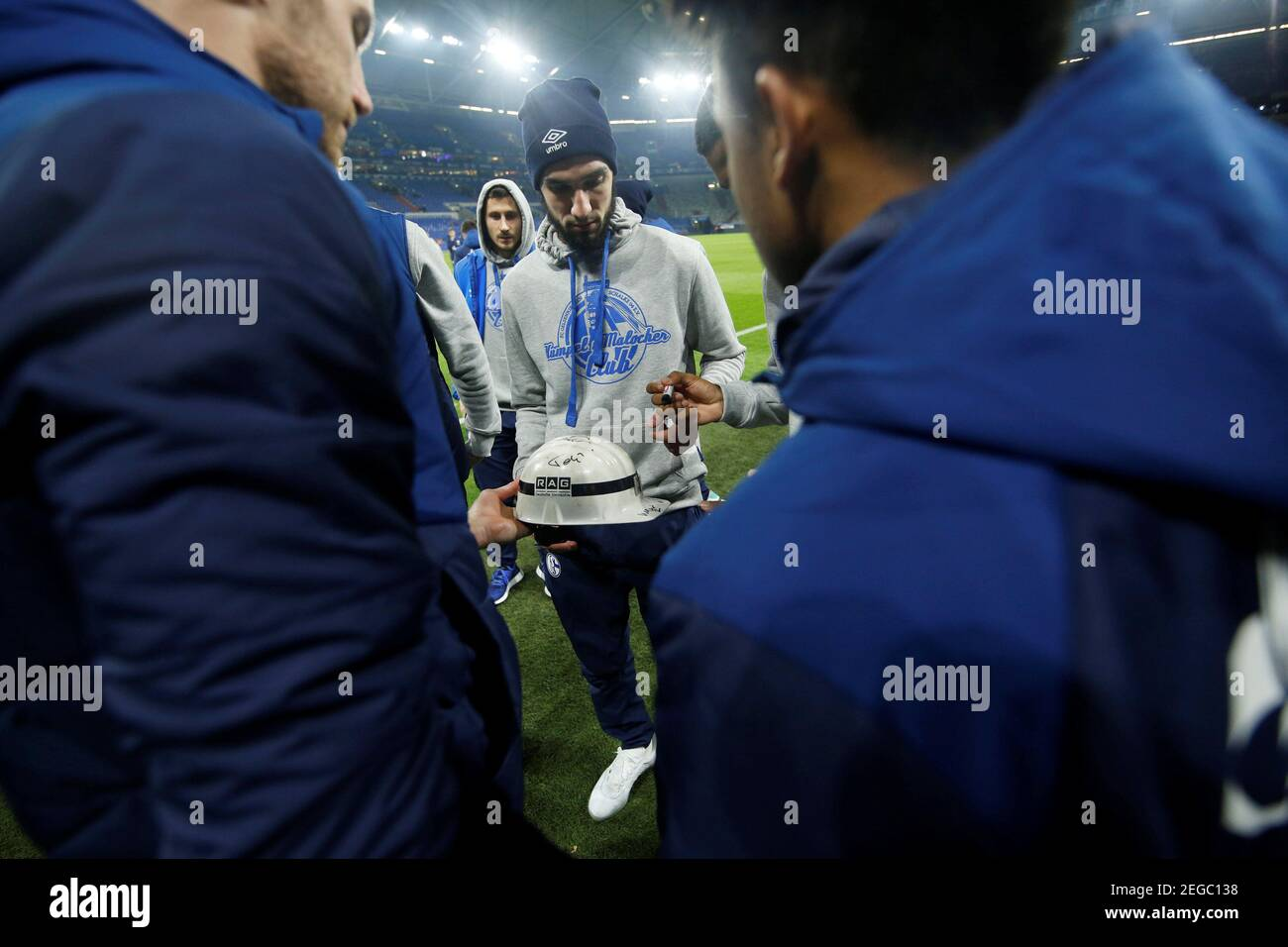 Calcio Calcio - Bundesliga - Schalke 04 v Bayer Leverkusen ...