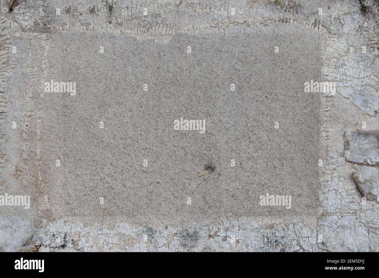 Segno di legno sbiadito con vernice scheggiata e macchie. Texture di sfondo. Foto Stock