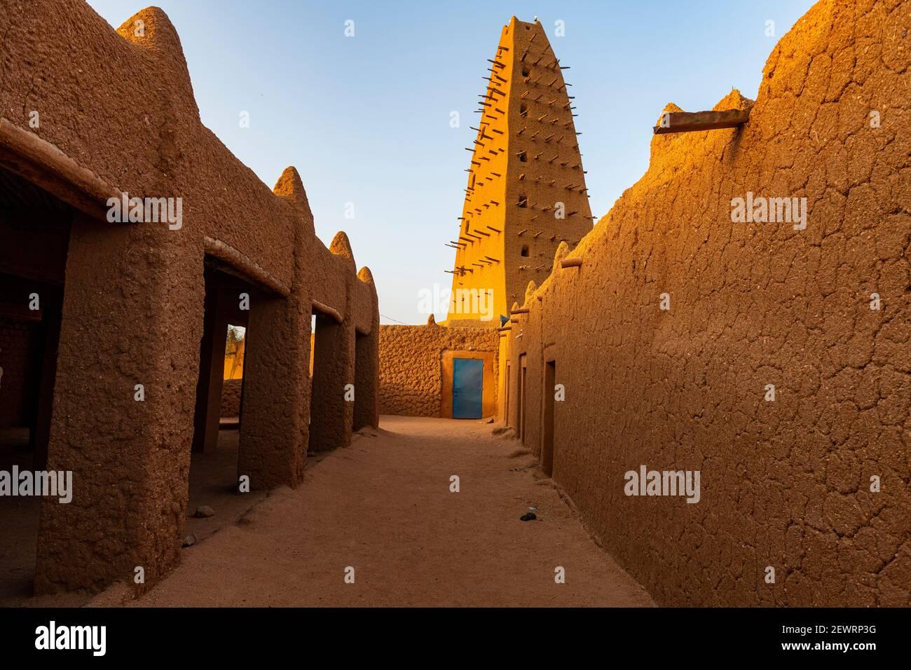 Grande moschea di Agadez, patrimonio dell'umanità dell'UNESCO, Agadez, Niger, Africa Foto Stock