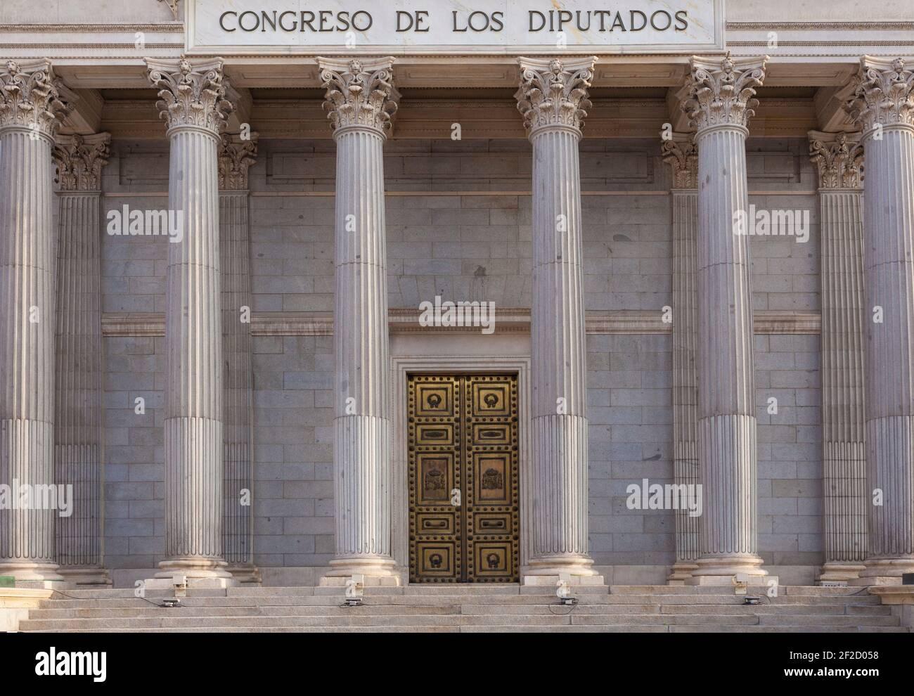 Congresso spagnolo del Palazzo dei deputati. Colonne. Madrid, Spagna Foto Stock