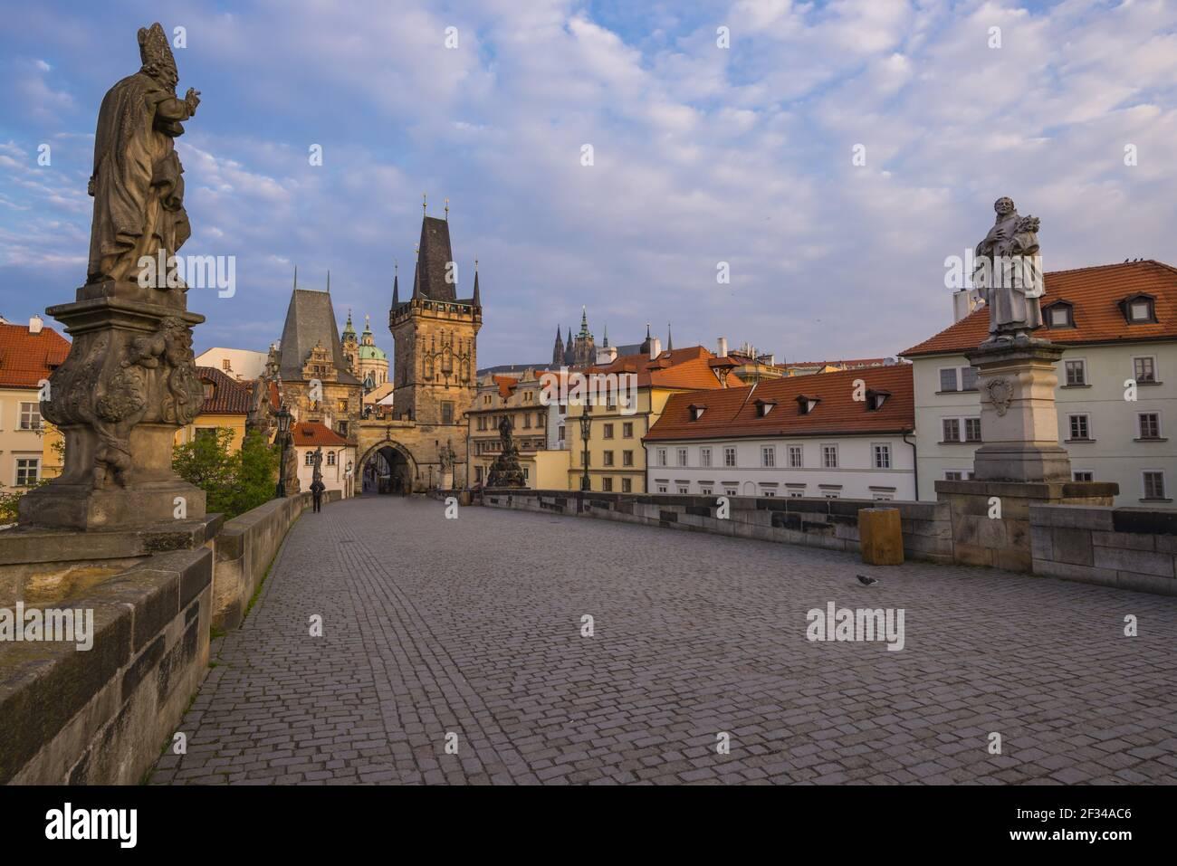 Geografia / viaggio, Czechia, Ponte Carlo, Torre del ponte Kleinseiter, patrimonio culturale mondiale dell'UNESCO, Praga, Repubblica Ceca, libertà di Panorama Foto Stock