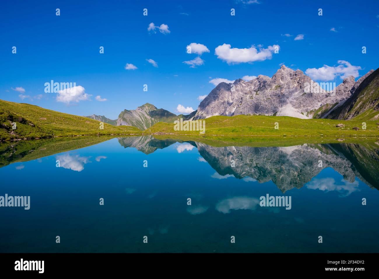 Geografia / viaggio, Germania, Baviera, Eissee, Valle d'Oy, Dietro di esso grande selvaggio, 2379m, Hochvogel (picco)- e Rosszahn Group, tutti, Freedom-of-Panorama Foto Stock