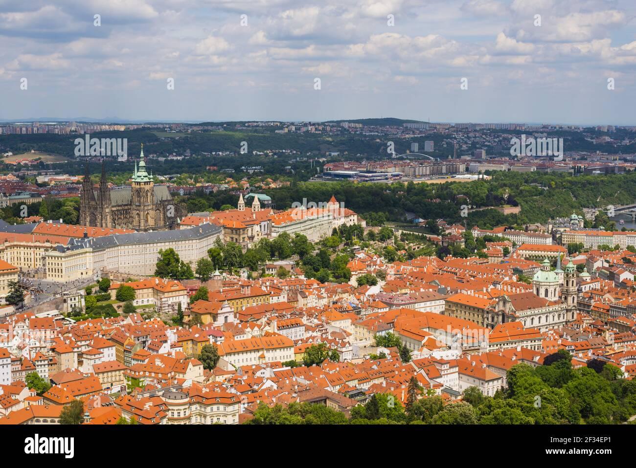 Geografia / viaggio, Czechia, panorama, Mala Strana, Mala Strana, Con il Castello di Praga, il Castello di Hradany e la città vecchia, nove Mesto, Pra, Freedom-of-Panorama Foto Stock