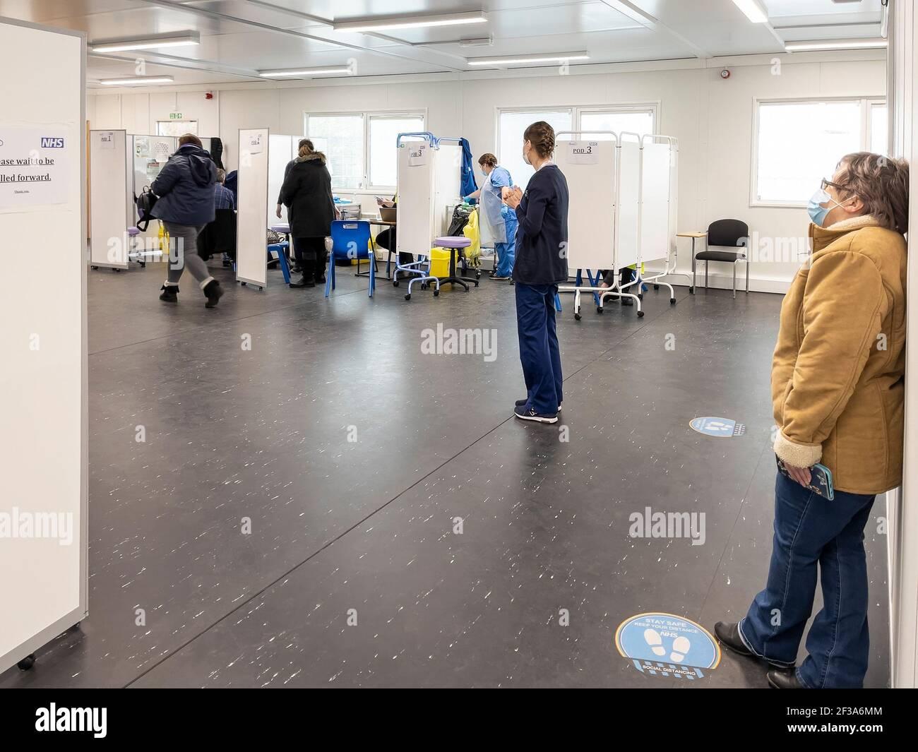 Interno del Covid-19 Vaccination Center, Regno Unito. Foto Stock