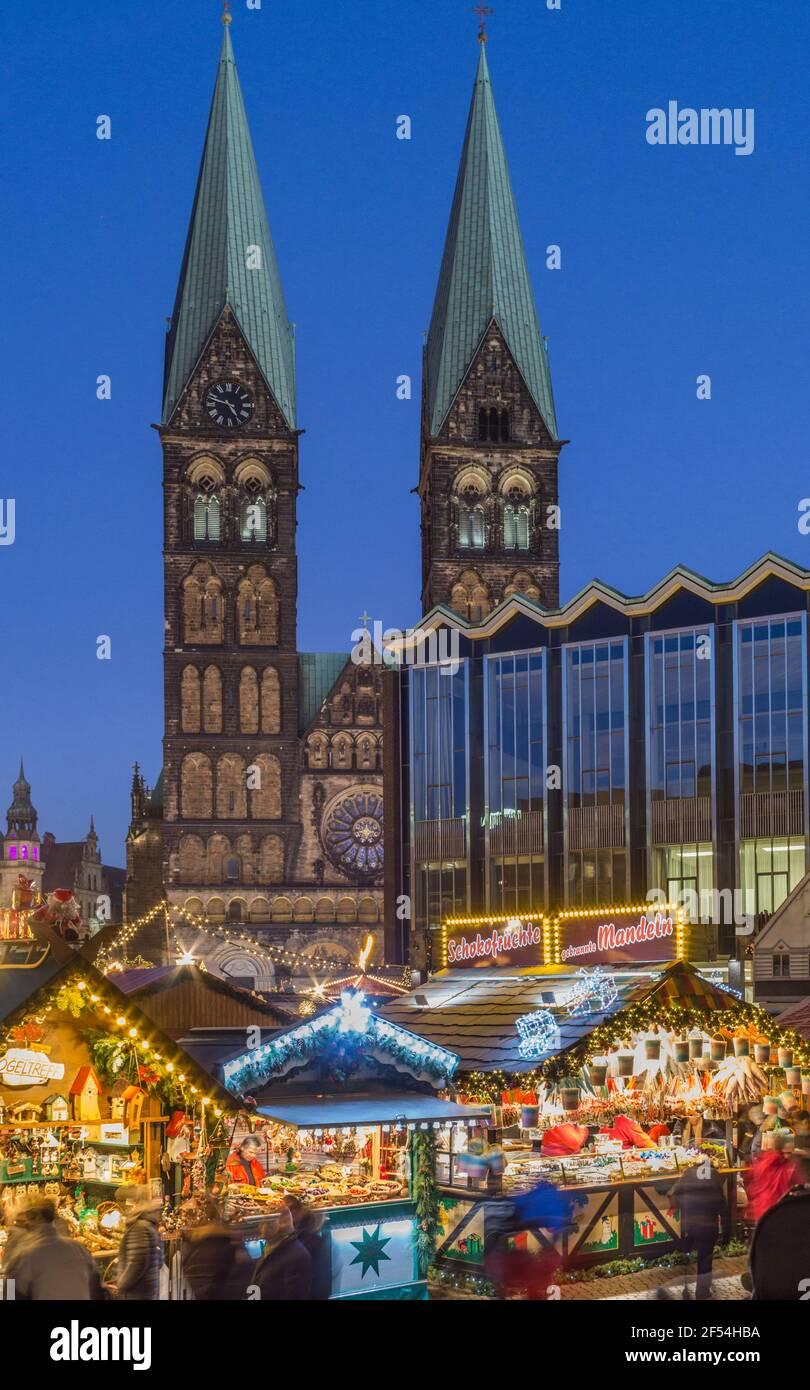 Geografia / viaggio, Germania, Brema, mercatino di Natale di sera, diritti aggiuntivi-clearance-Info-non-disponibile Foto Stock