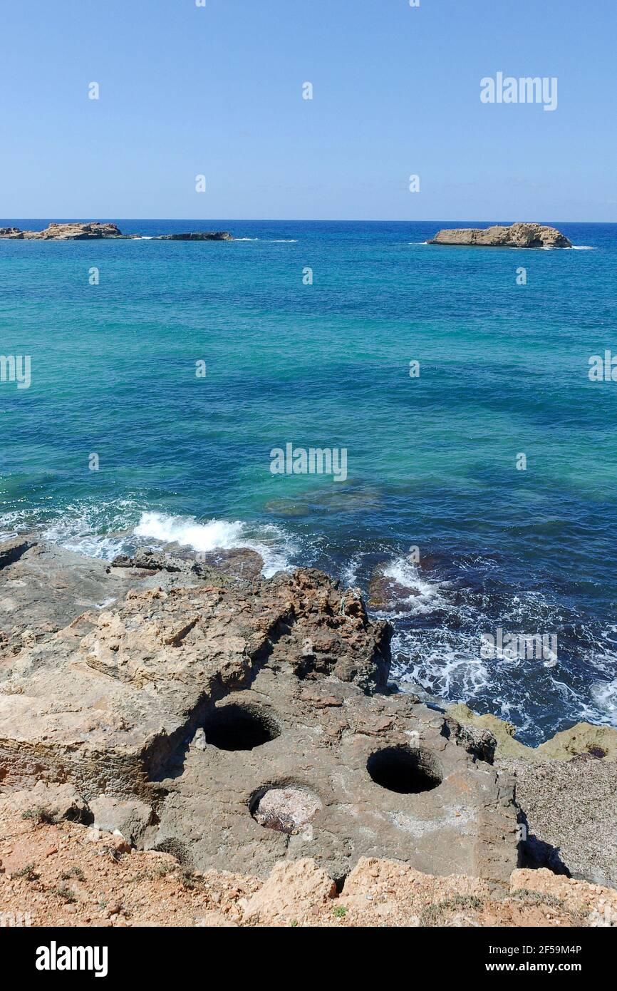 Olio di oliva e vasche di pesci, Appolonia Harbour, Libia Foto Stock