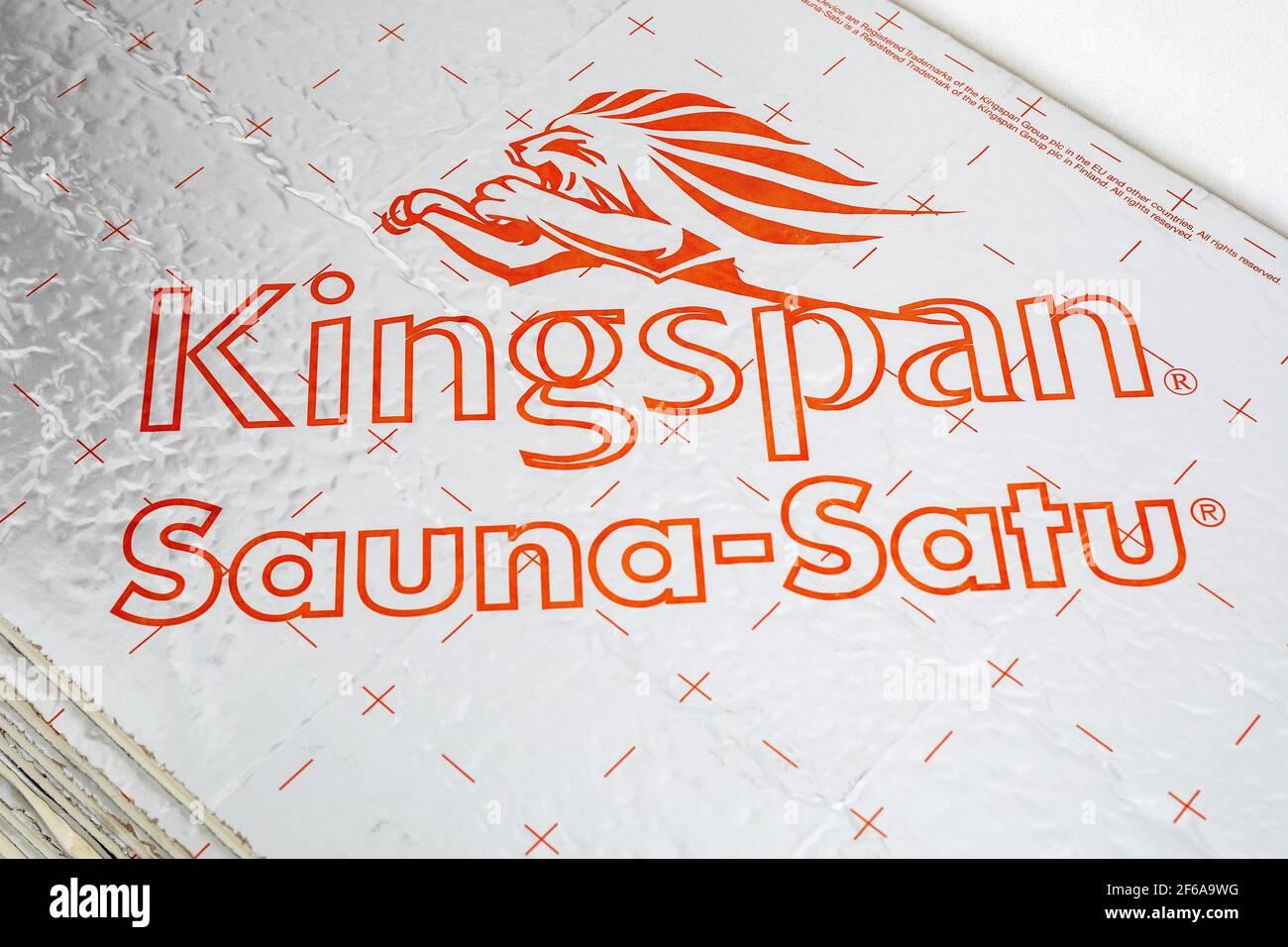 Riga, Lettonia 19 marzo 2021: Kingspan Sauna-Satu. Pannelli di isolamento termico per saune e ambienti umidi. Il gruppo Kingspan è un'azienda globale Foto Stock