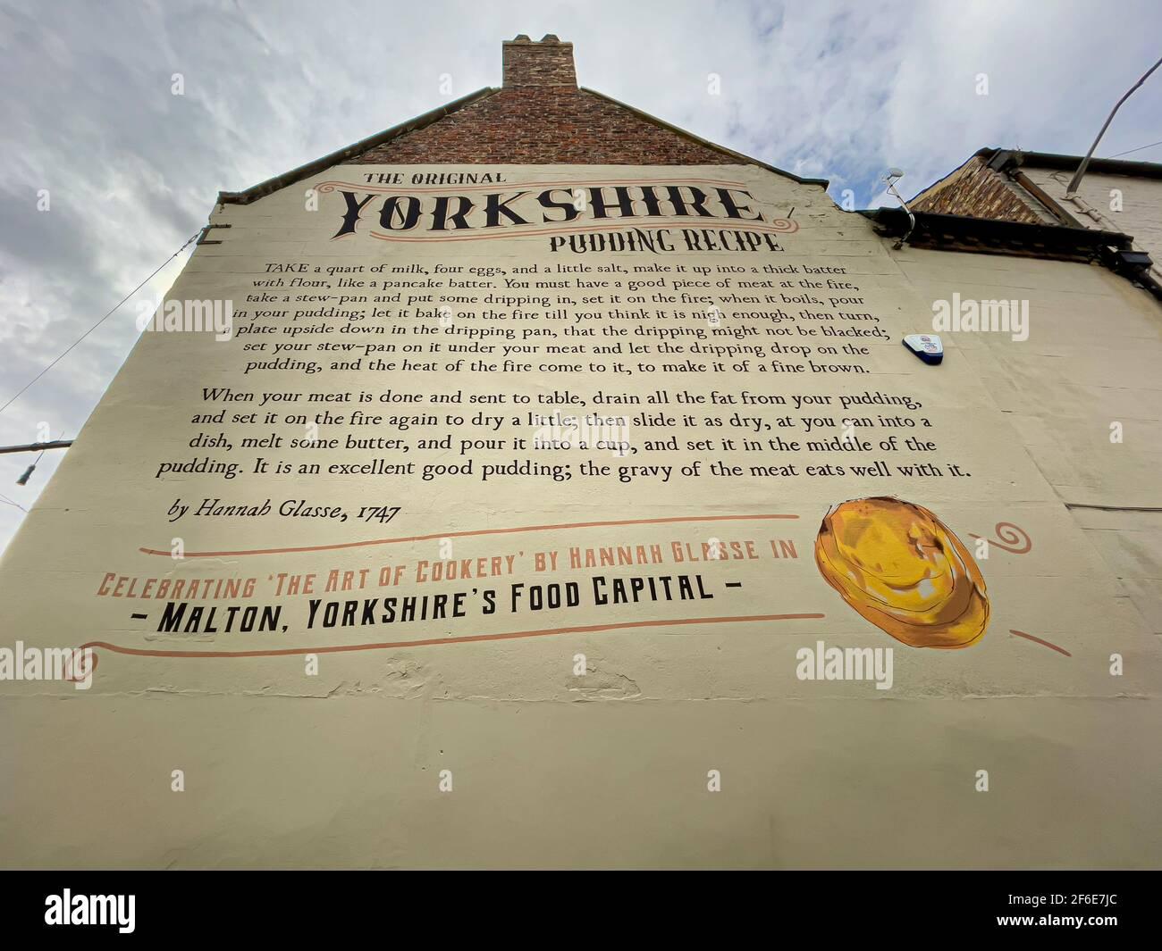 Muro murale della ricetta originale Yorkshire pudding di Hannah Glasse dal suo libro The Art of Cookery Made Plain and Easy. Malton, Foto Stock
