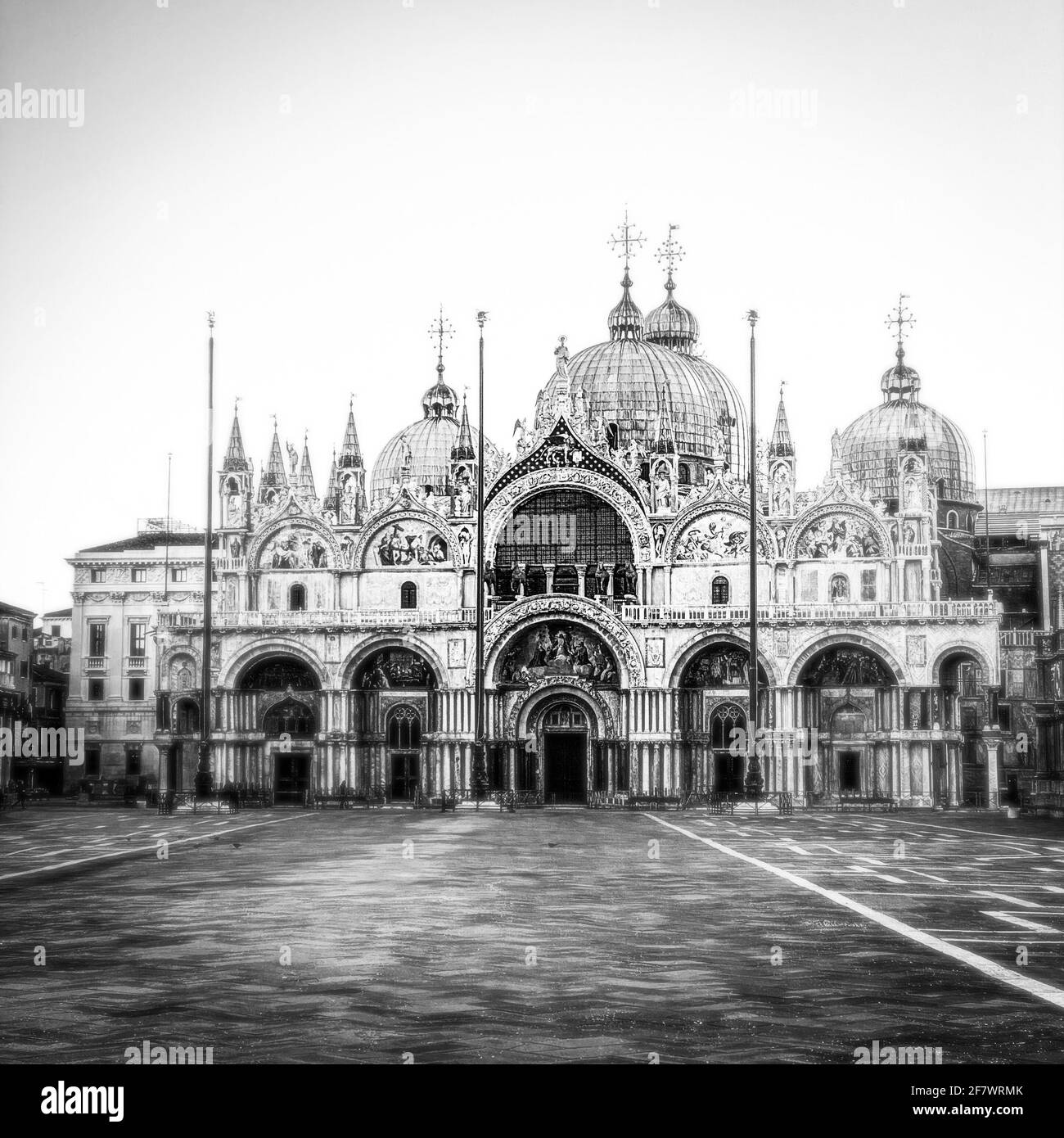 Immagine in bianco e nero della Basilica di San Marco e. Piazza San Marco Foto Stock