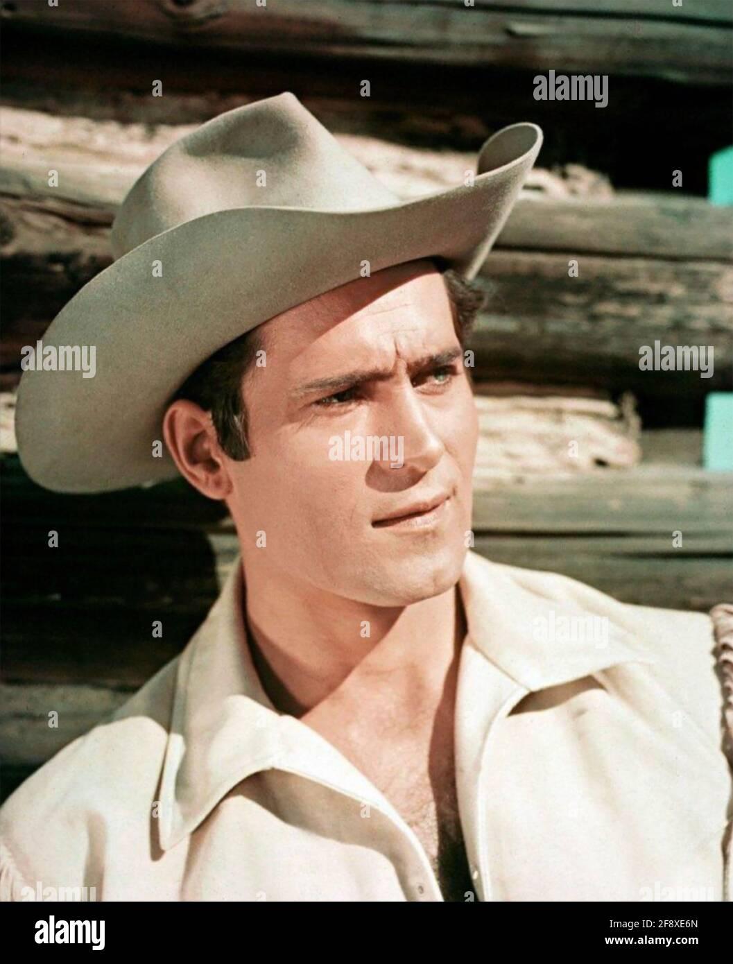 CLINT WALKER (1927-2018) attore televisivo e cinematografico americano come Cheyenne Bodie nella serie occidentale ABC/Warner Bros Cheyenne 1955-1963. Foto Stock