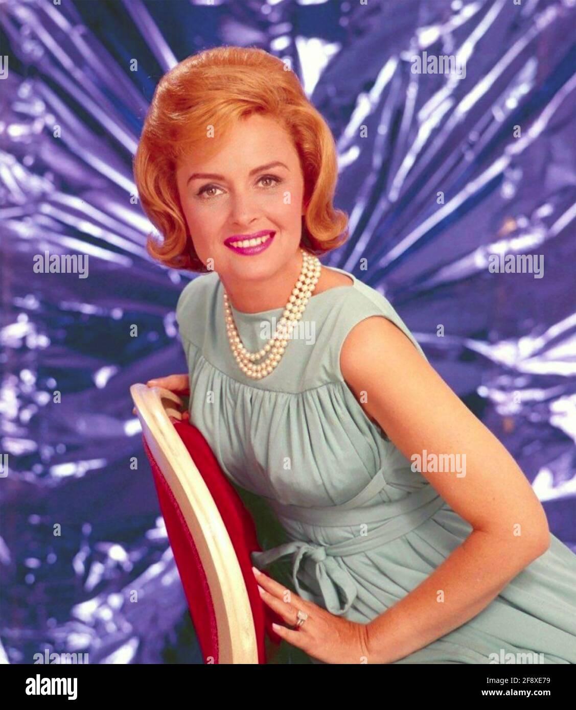 DONNA REED (1921-1986) attrice e comico americano circa 1965 Foto Stock
