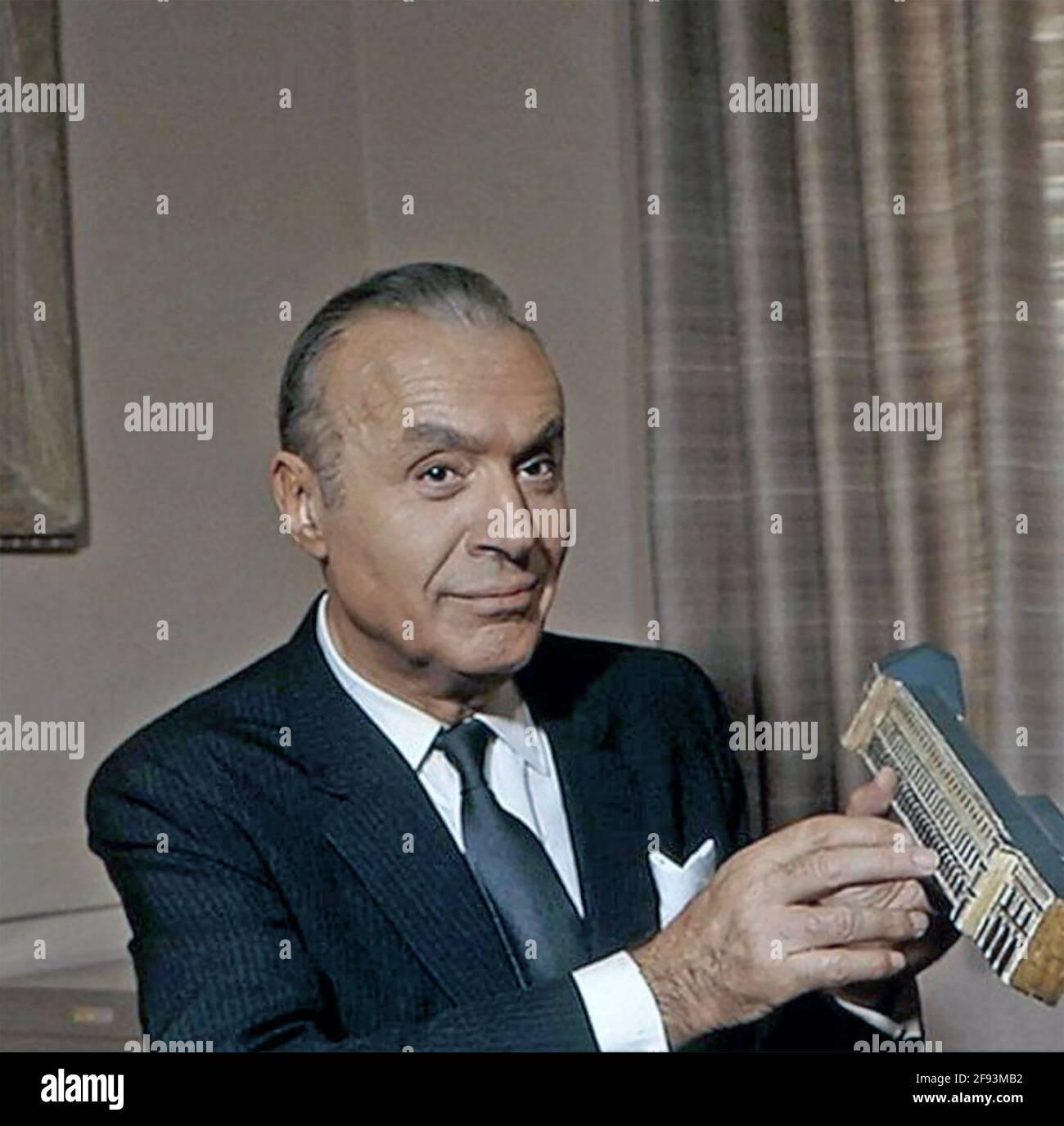 CHARLES BOYER (1899-1978) attore di film franco-americano circa 1945 Foto Stock