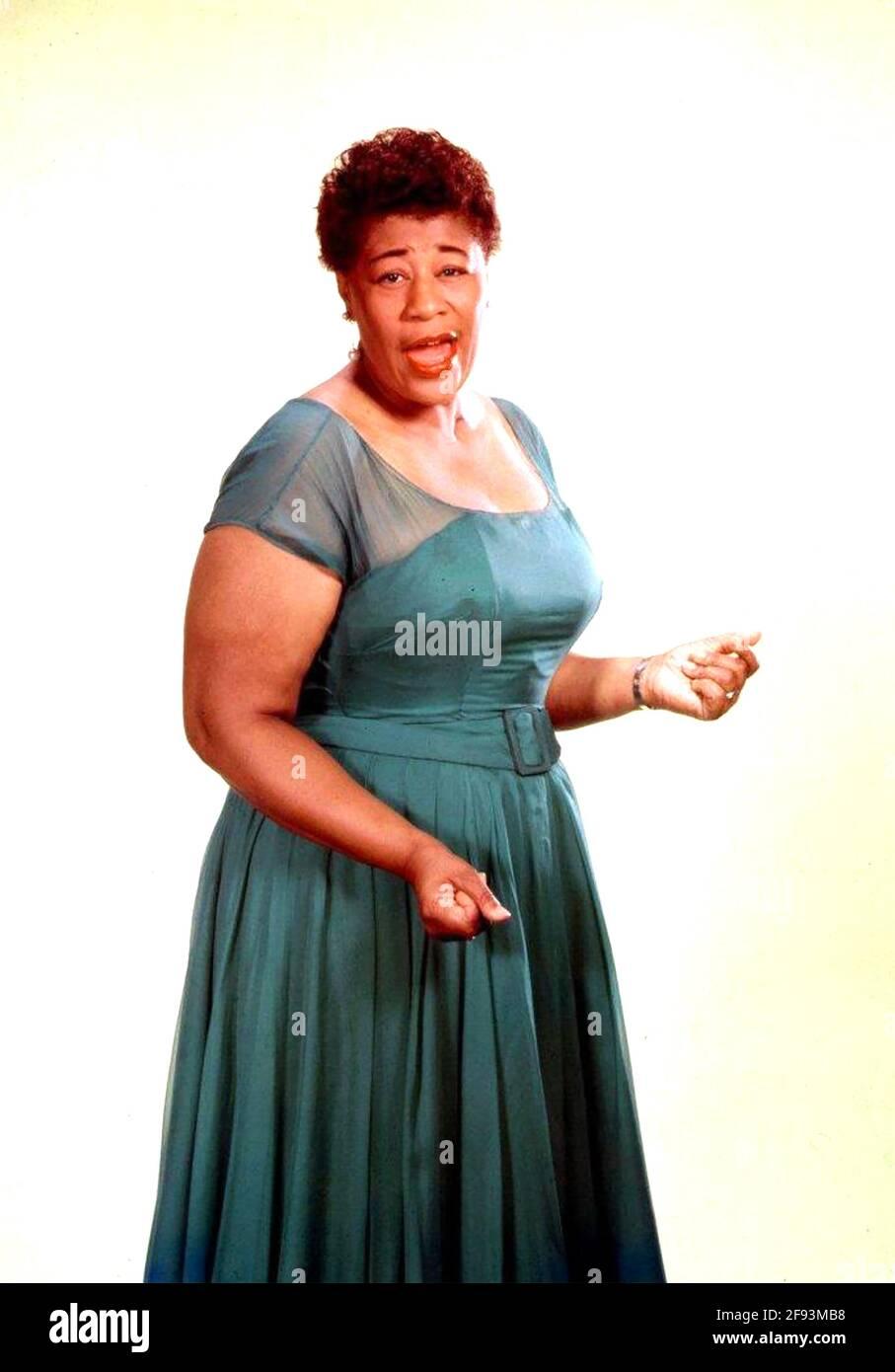 ELLA FITZGERALD (1917-1996) cantante jazz americano circa 1955 Foto Stock