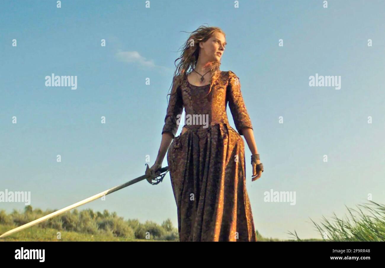 LA RECKONING 2020 Quarta produzione di film di cultura con Charlotte Kirk come una donna accusata di essere una strega Foto Stock