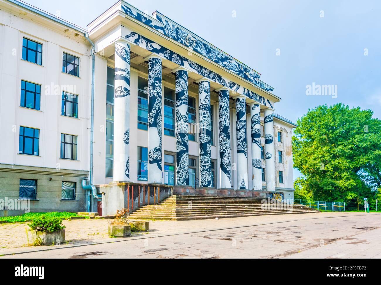 Vista di un edificio situato sulla cima della collina di Tauras a Vilnius, Lituania. Foto Stock