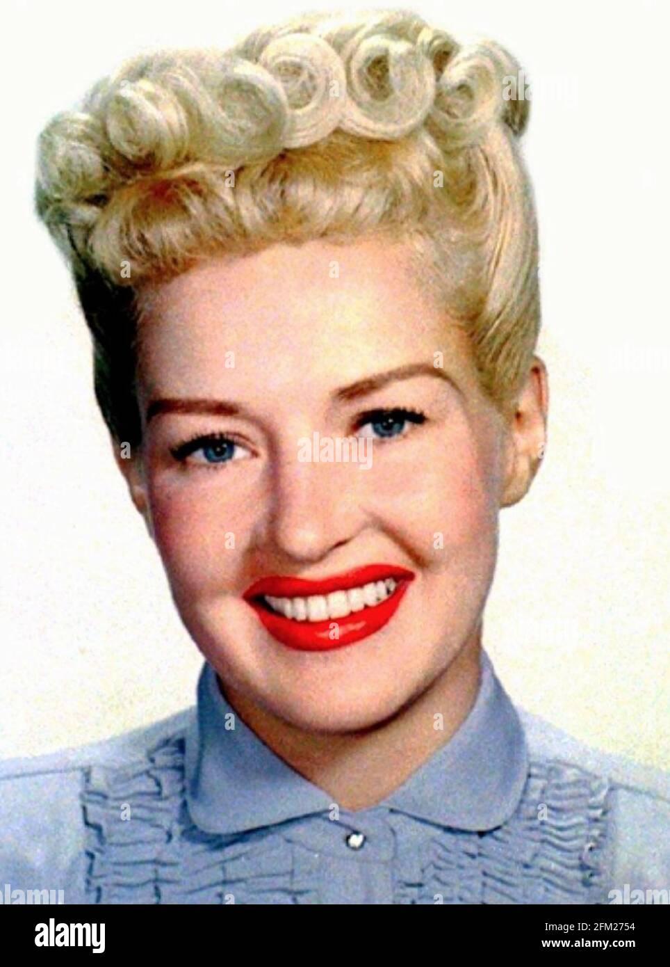BETTY GRABLE (1916-1973) attrice e cantante americana circa 1947 Foto Stock