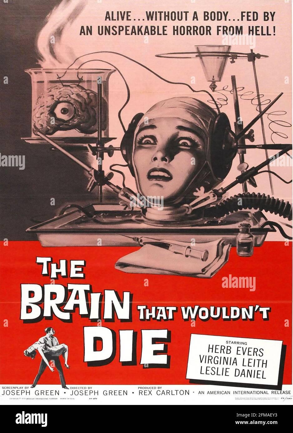 IL CERVELLO CHE NON MORIREBBE 1962 AIP film con Virginia Leith Foto Stock