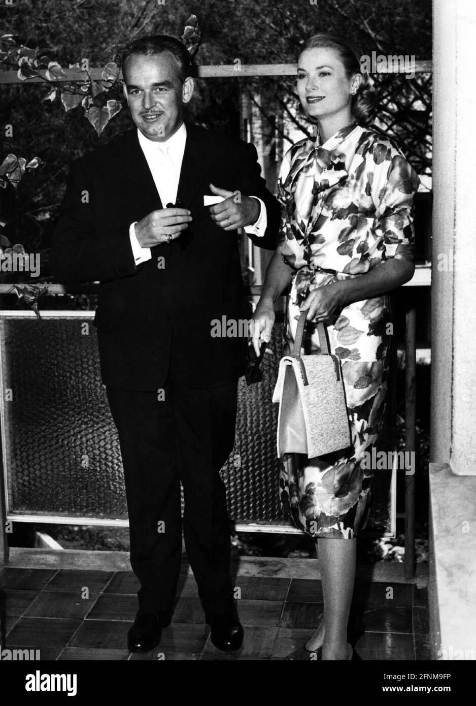 Kelly, Grace, 12.11.1929 - 14.9.1982, attrice americana, mezza lunghezza, INFORMAZIONI-AGGIUNTIVE-DIRITTI-AUTORIZZAZIONE-NON-DISPONIBILI Foto Stock