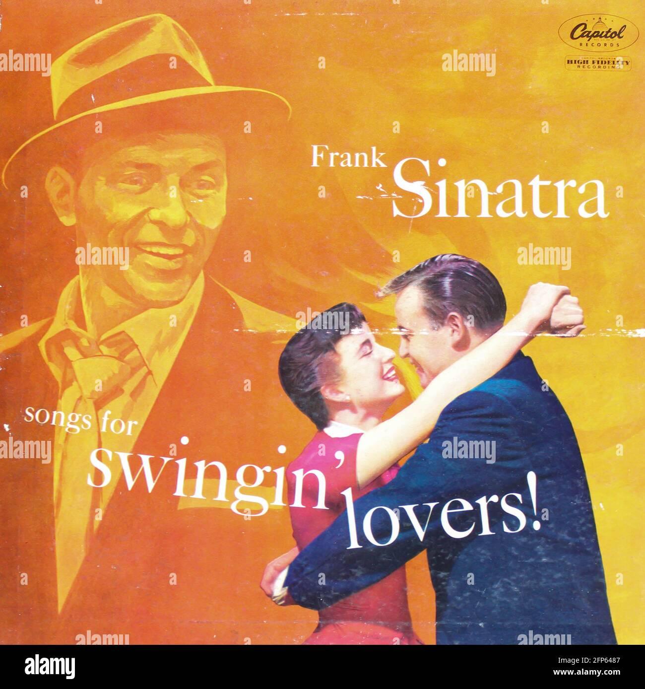 Jazz e musicista di facile ascolto, Frank Sinatra album musicale su disco LP con dischi in vinile. Intitolato: Canzoni per gli amanti di Swingin'! copertina album Foto Stock