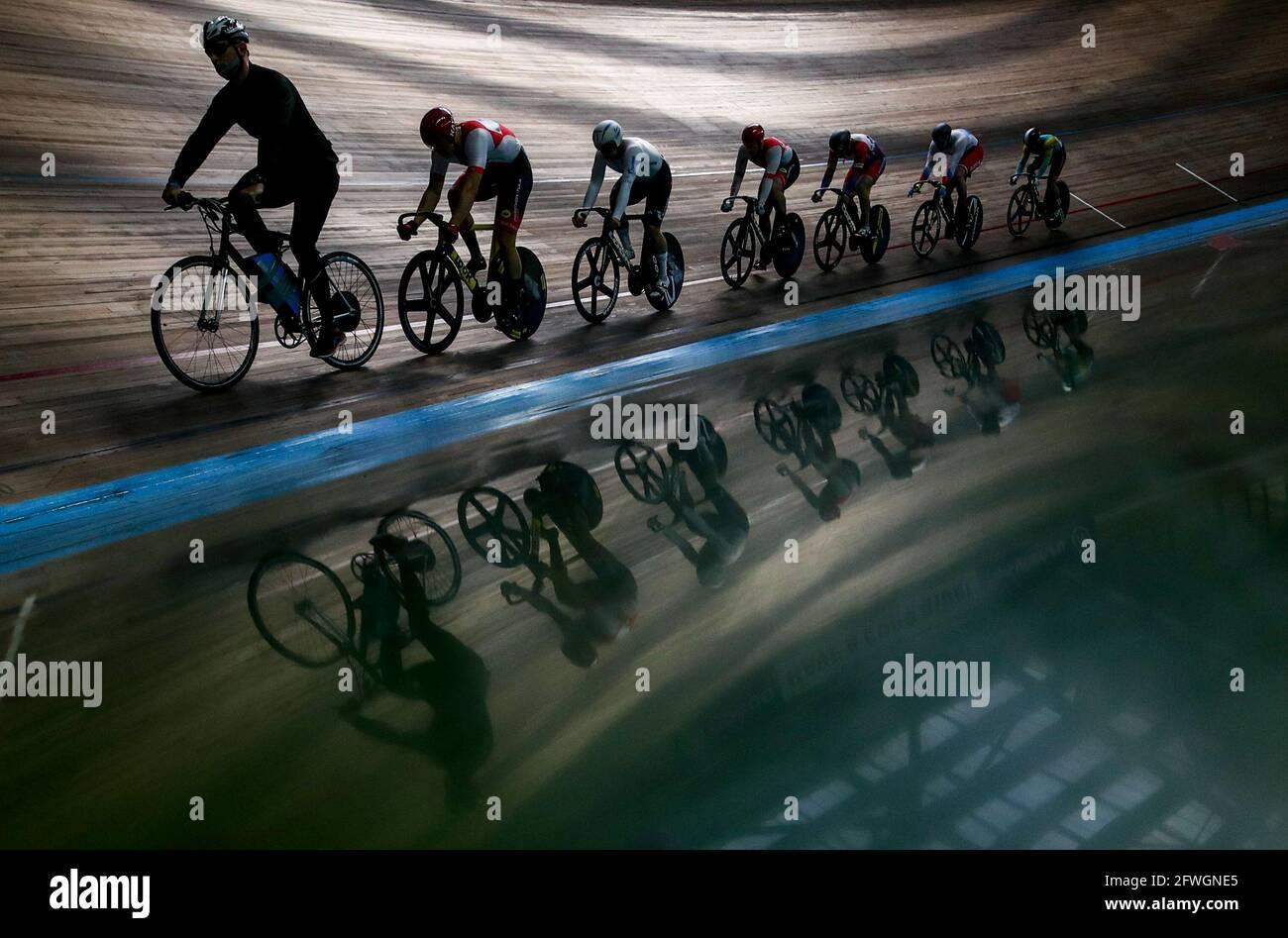 Mosca, Russia. 22 maggio 2021. Partecipanti al Gran Premio di Mosca 2021 pista ciclabile al Krylatskoye Velodrome. Credit: Sergei Bobylev/TASS/Alamy Live News Foto Stock