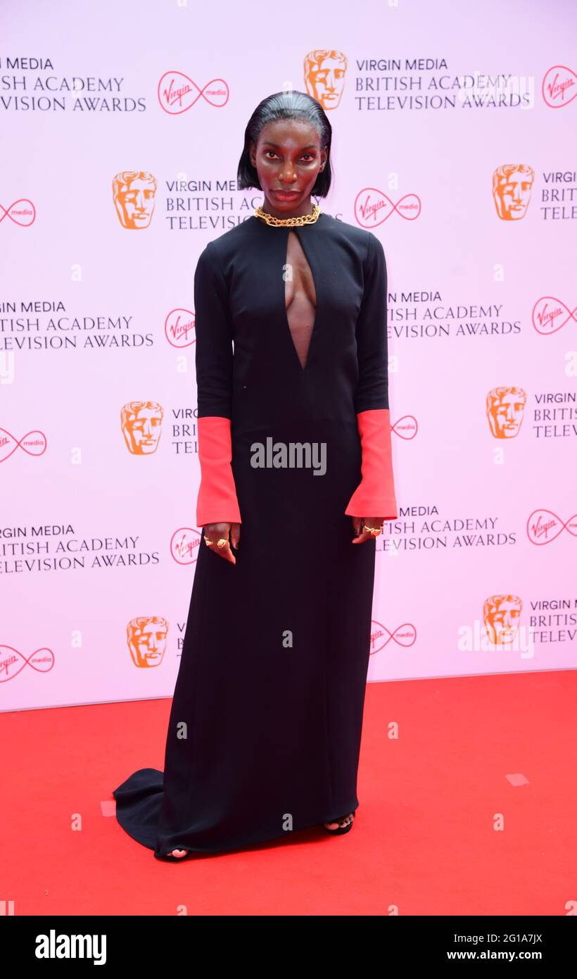 Michaela Coel arriva per i premi Virgin Media BAFTA TV al Centro TV di Wood Lane, Londra. Data immagine: Domenica 6 giugno 2021. Foto Stock