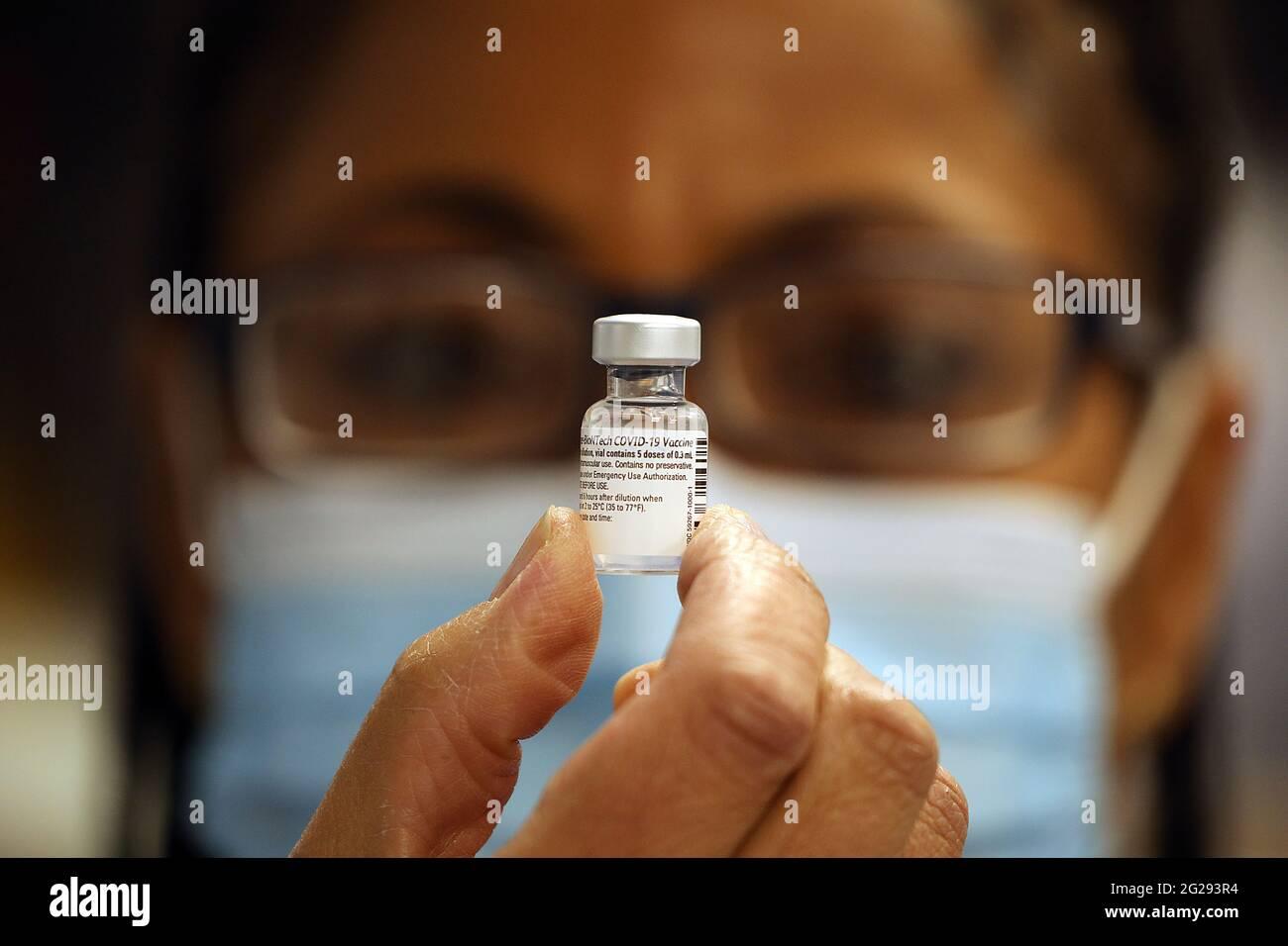 Fiala per vaccino Covid 19 Foto Stock