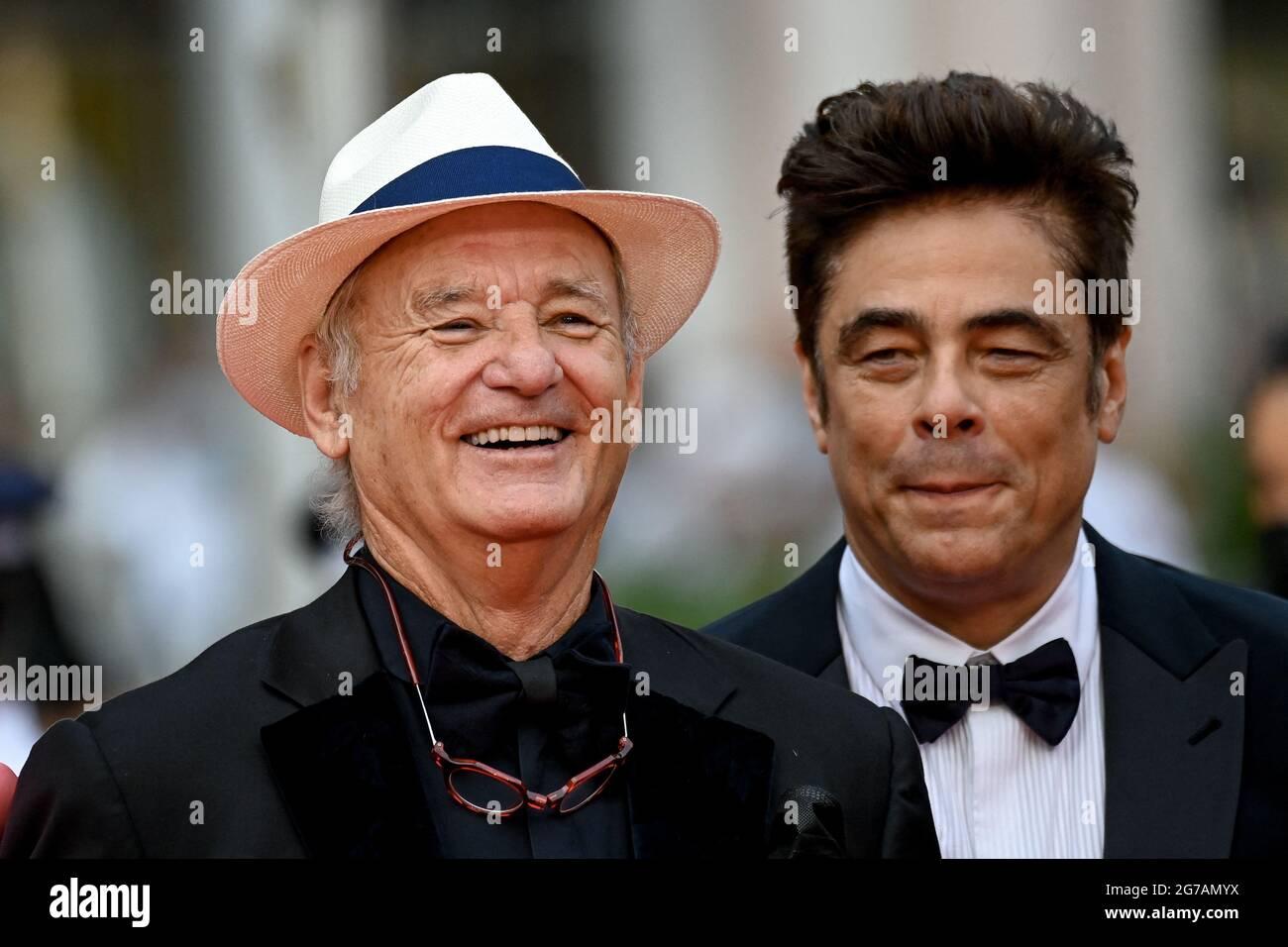 Cannes, Francia. 12 luglio 2021. Bill Murray, Benicio del Toro alla prima del film The French Dispatch durante il 74a Festival di Cannes, in Francia, il 12 2021 luglio. Foto di Julien Reynaud/APS-Medias/ABACAPRESS.COM Credit: Abaca Press/Alamy Live News Foto Stock