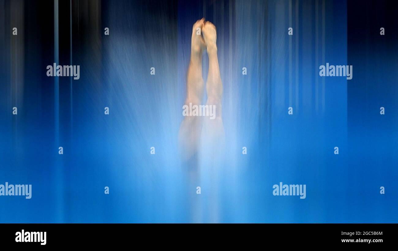 Tokyo 2020 Olympics - Diving - piattaforma 10m uomo - Semifinale - Centro Acquatico Tokyo, Tokyo, Giappone - 7 agosto 2021. Thomas Daley della Gran Bretagna in azione REUTERS/Stefan Wermuth Foto Stock