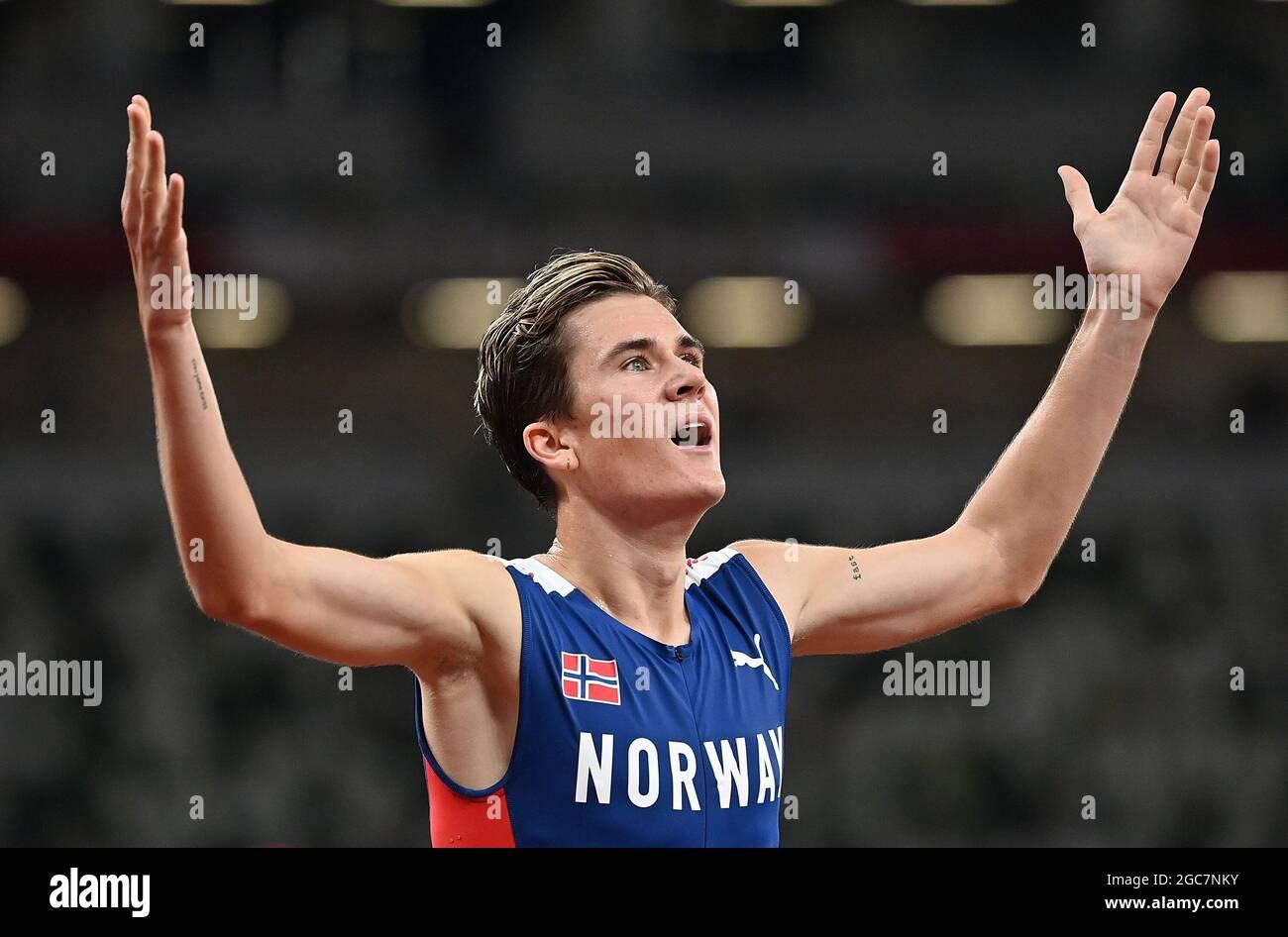 Tokyo, Giappone. 7 agosto 2021. Jakob Ingebrigtsen di Norvegia festeggia dopo aver vinto la finale maschile di 1500m ai Giochi Olimpici di Tokyo 2020, a Tokyo, Giappone, il 7 agosto 2021. Credit: Jia Yuchen/Xinhua/Alamy Live News Foto Stock