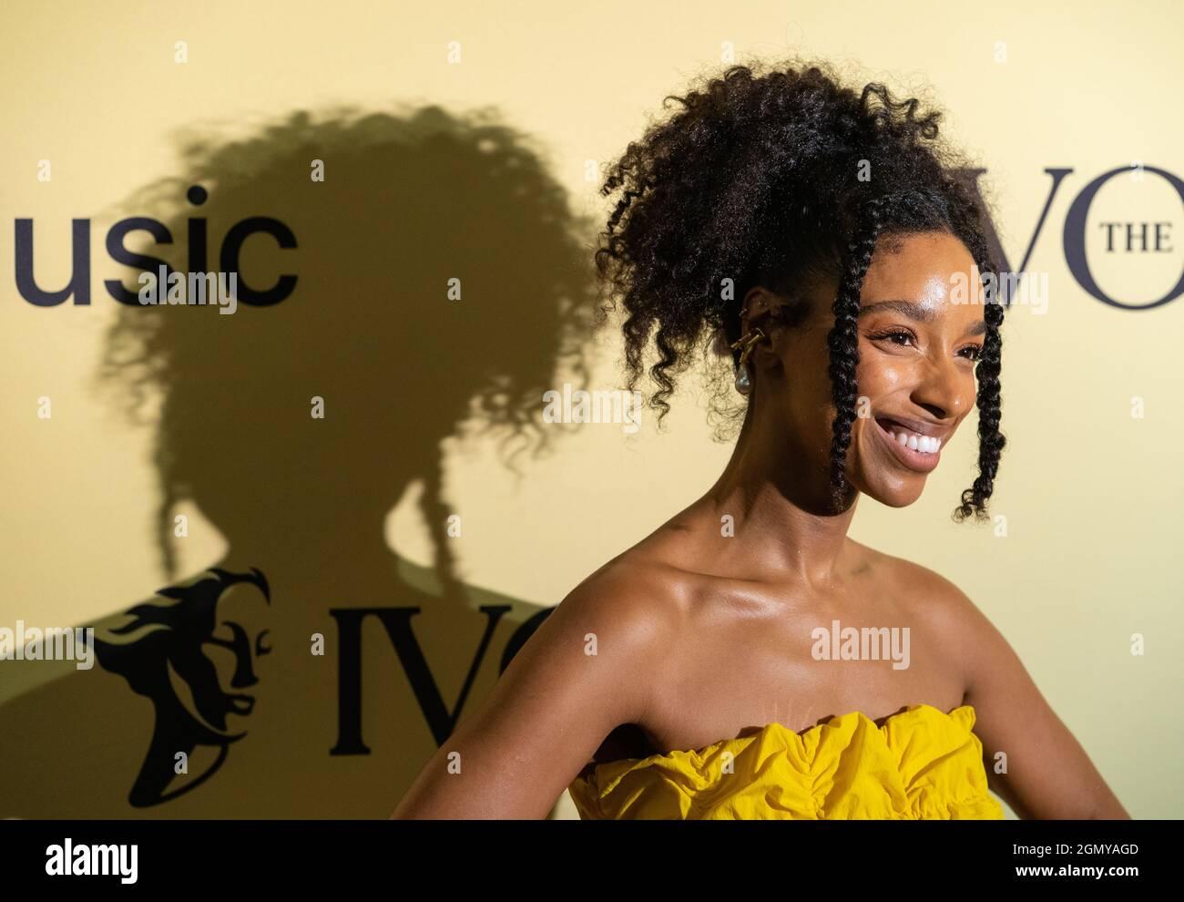 Lianne la Havas arriva al premio annuale Ivor Novello Songwriting Awards presso la Grosvenor House di Londra. Data foto: Martedì 21 settembre 2021. Foto Stock