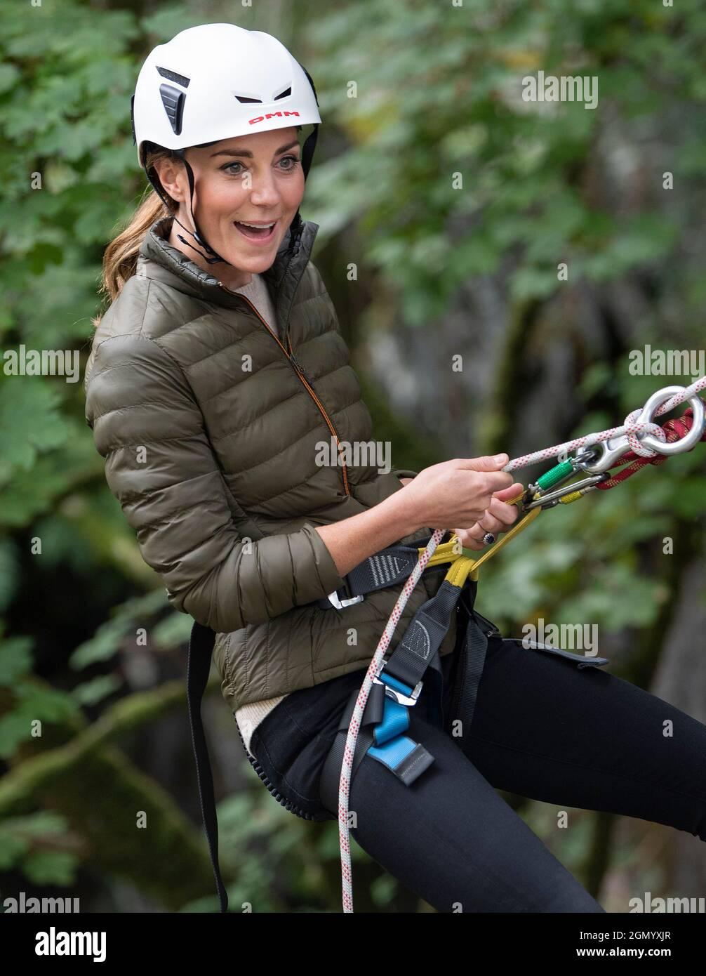 La Duchessa di Cambridge durante una visita al Windermere Adventure Training Center della RAF Air Cadets di Cumbria, che segna la riapertura della struttura dopo un riadattamento di 2 milioni di sterline. Data foto: Martedì 21 settembre 2021. Foto Stock
