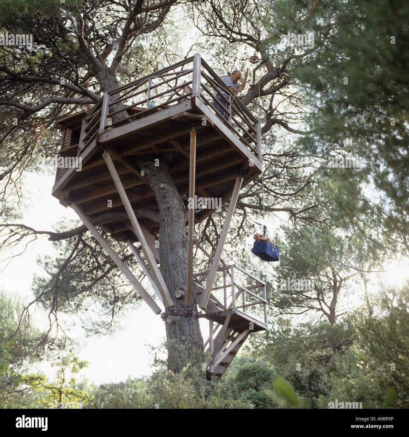 Treehouse nel sud della Francia Immagini Stock