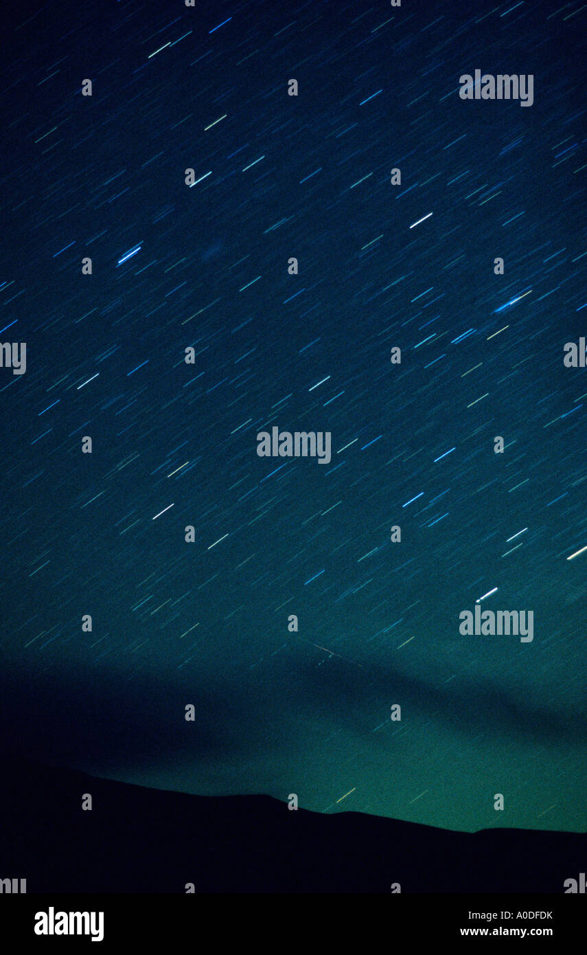 Un cielo notturno con star trail in Idaho Immagini Stock