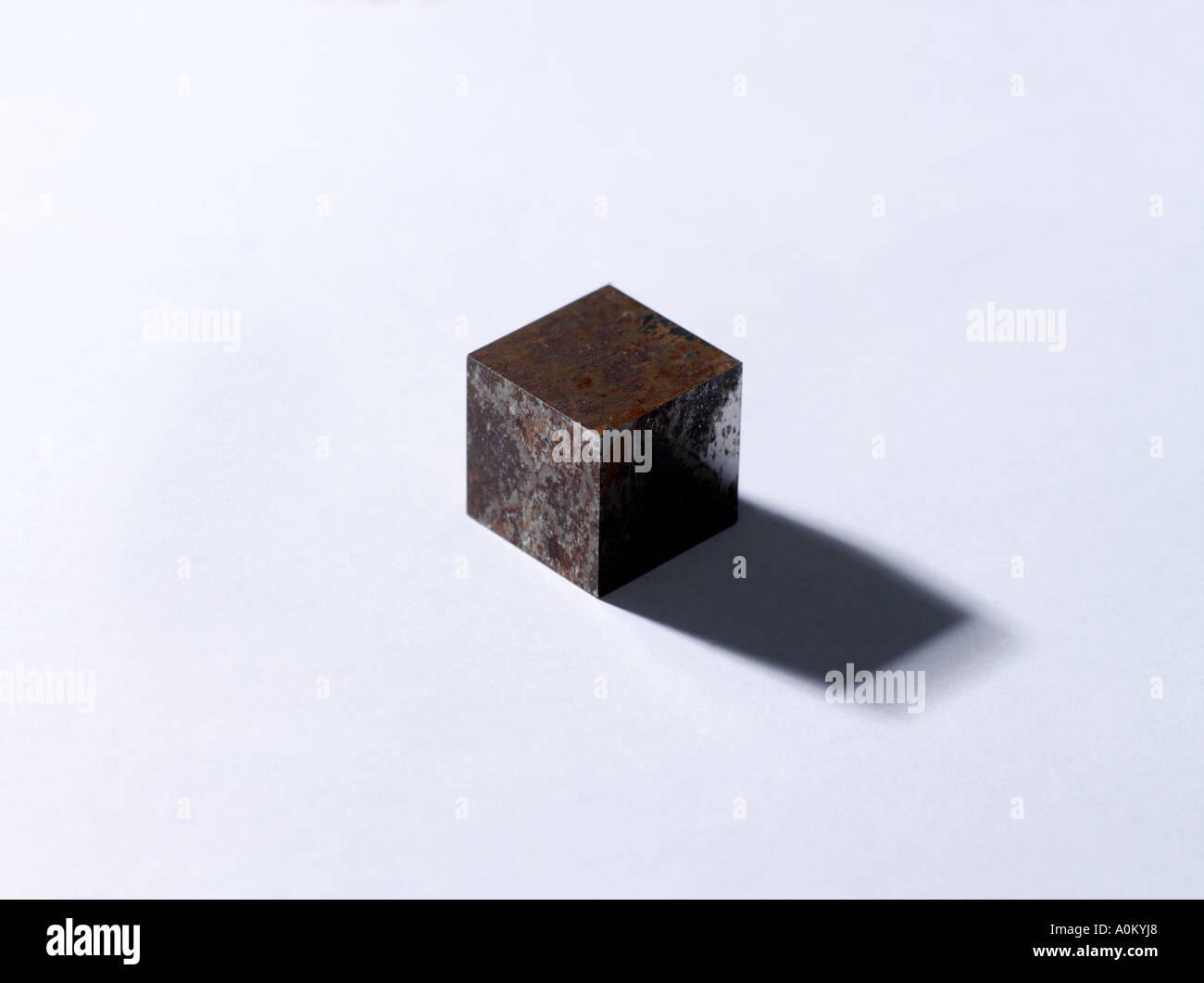 Cubo Di Ferro.2cm Cubo Di Metallo Di Ferro Foto Immagine Stock 5727079