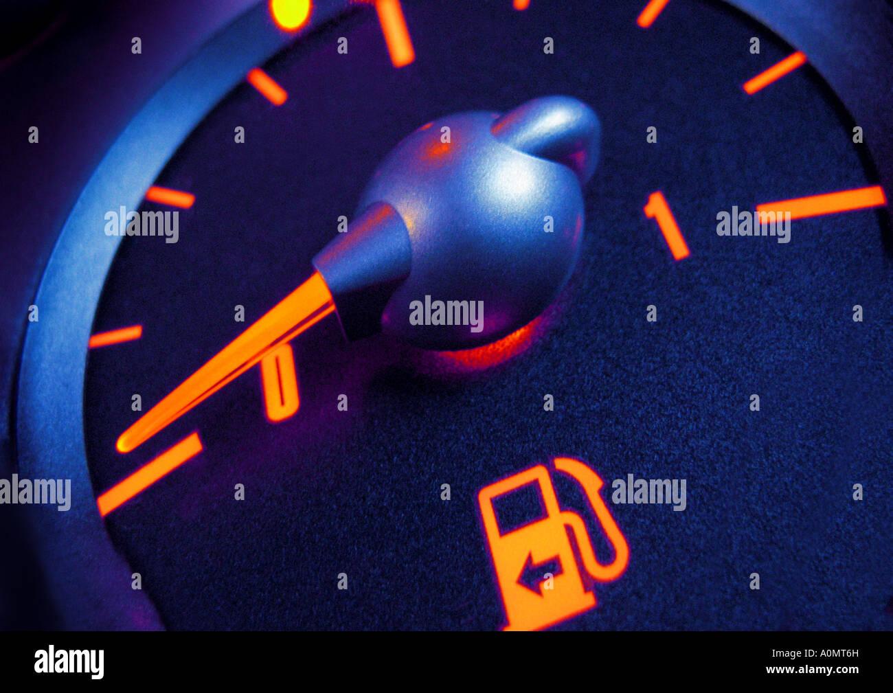 Indicatore di livello carburante manometro Tankuhr Immagini Stock
